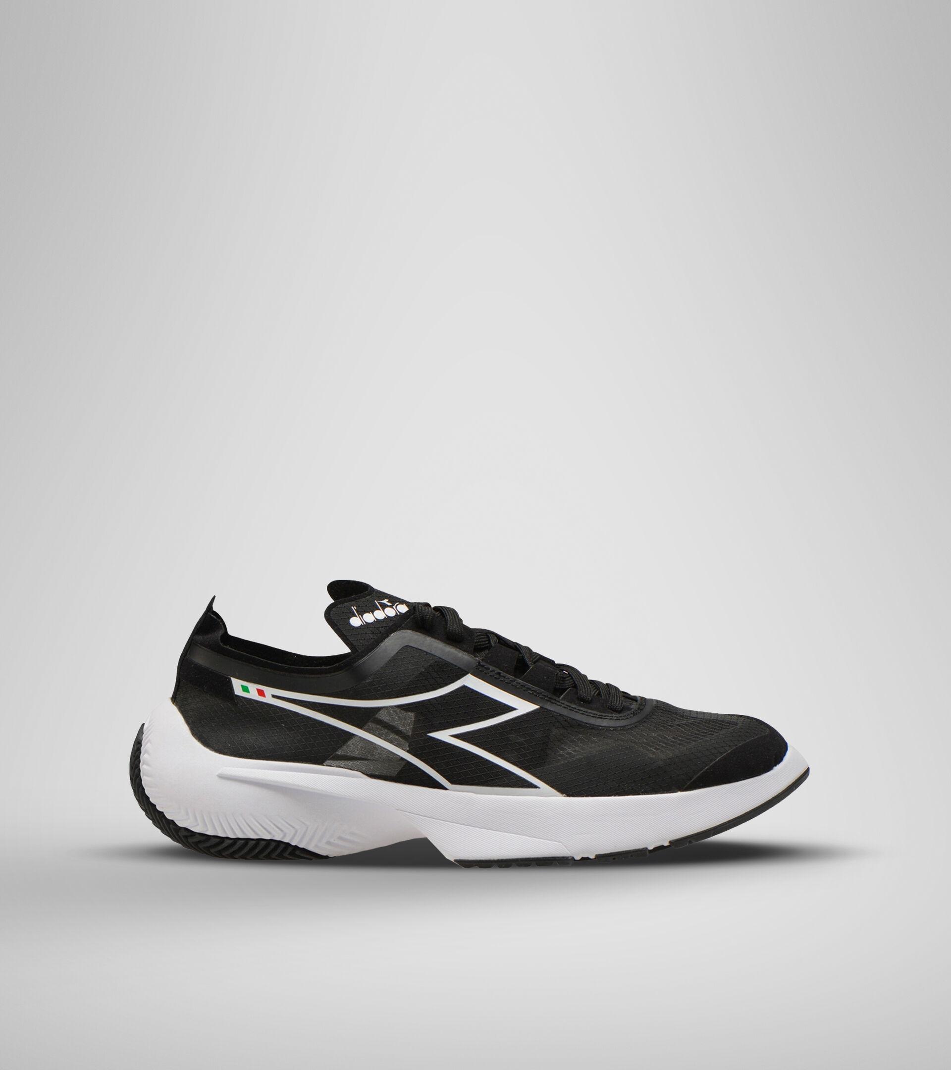 Footwear Sportswear UNISEX URBAN EQUIPE BLACK Diadora