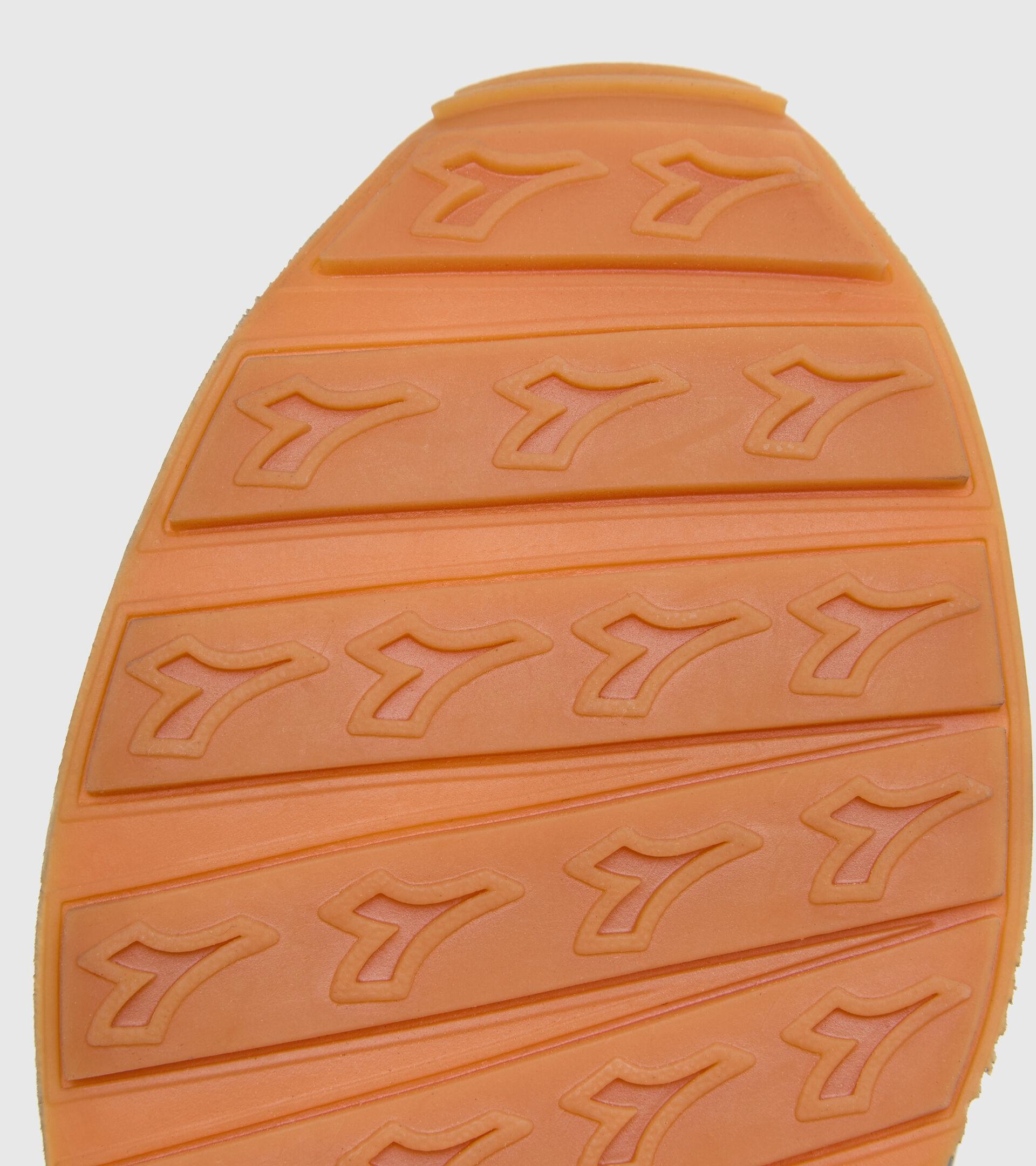 Footwear Sportswear UNISEX CAMARO ICONA BLACK Diadora
