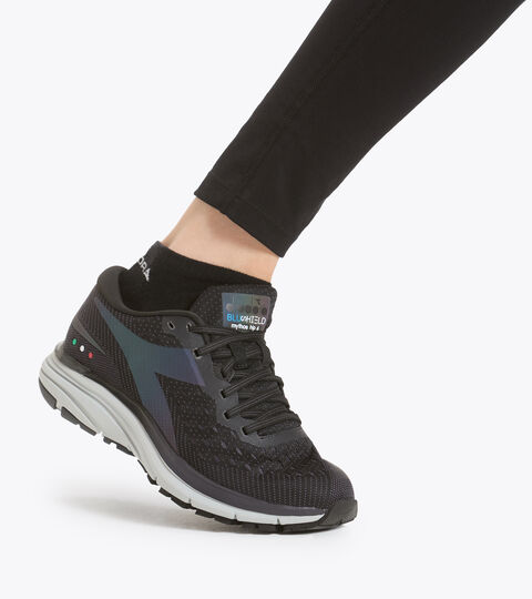 Running shoe - Women MYTHOS BLUSHIELD HIP 6 W BLACK/SILVER - Diadora