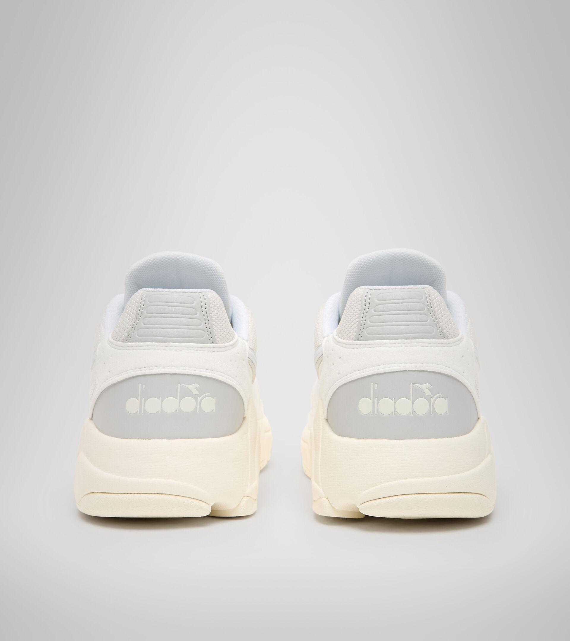 Footwear Sportswear UOMO MYTHOS SUEDE BLANCO/BLANCO/BLANCO MURMURAR Diadora