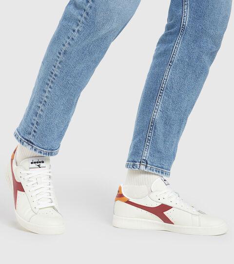 Footwear Sportswear UNISEX GAME L LOW RUIBARBO/MARRON SOL DEL DESIER Diadora