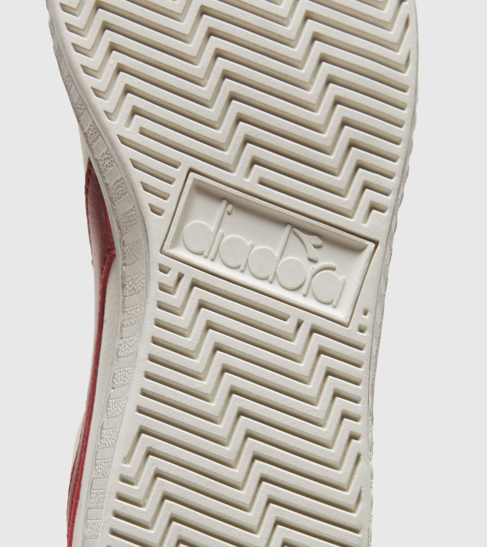 Footwear Sportswear UNISEX GAME L LOW WAXED WHITE/RED PEPPER Diadora