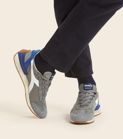 Chaussures Heritage Made in Italy - Unisexe EQUIPE MAD ITALIA NUBUCK SW NEUTRE GRIS - Diadora