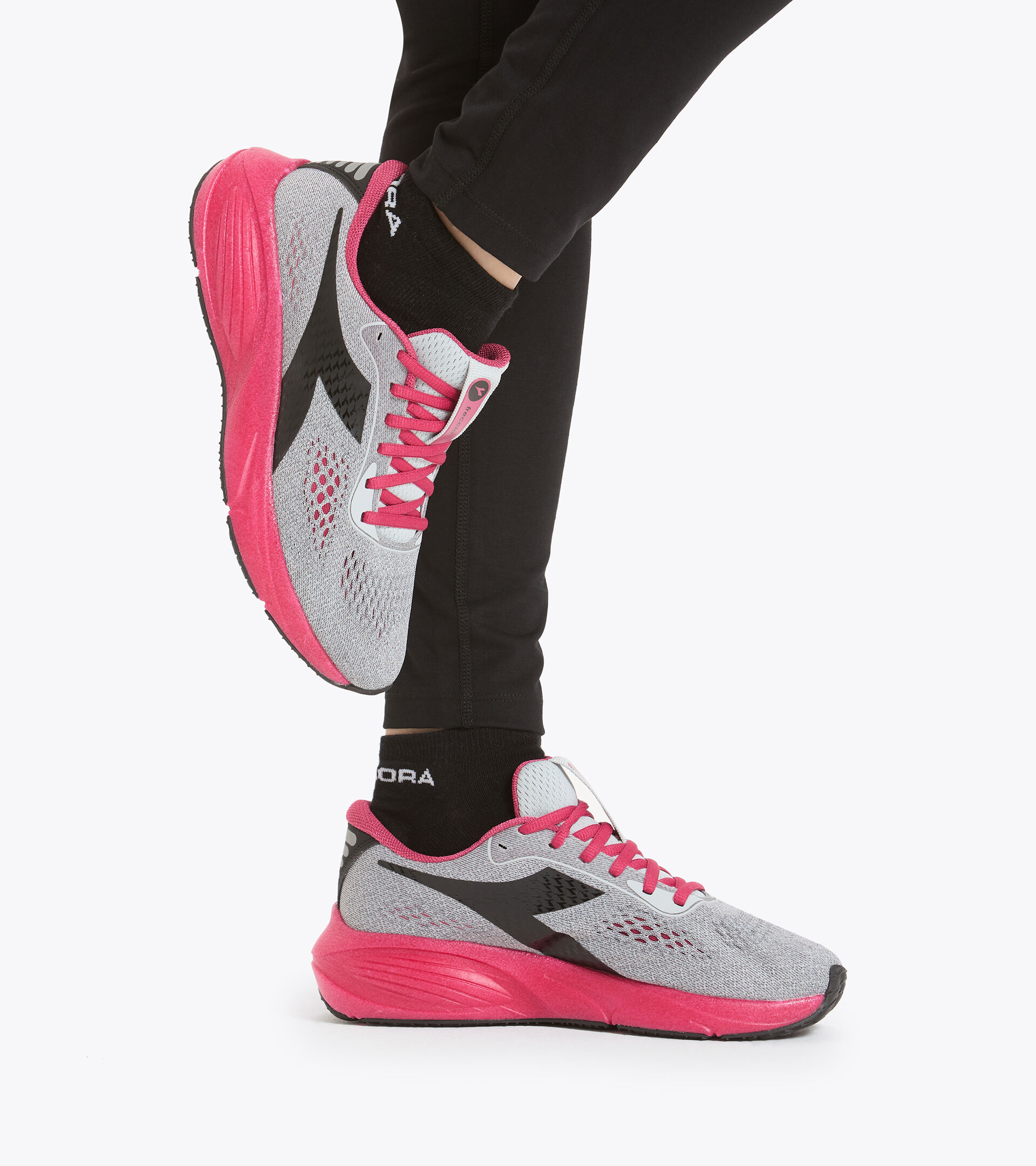Footwear Sport DONNA FRECCIA W ARGENTO DD/ROSA JAZZY/NERO Diadora