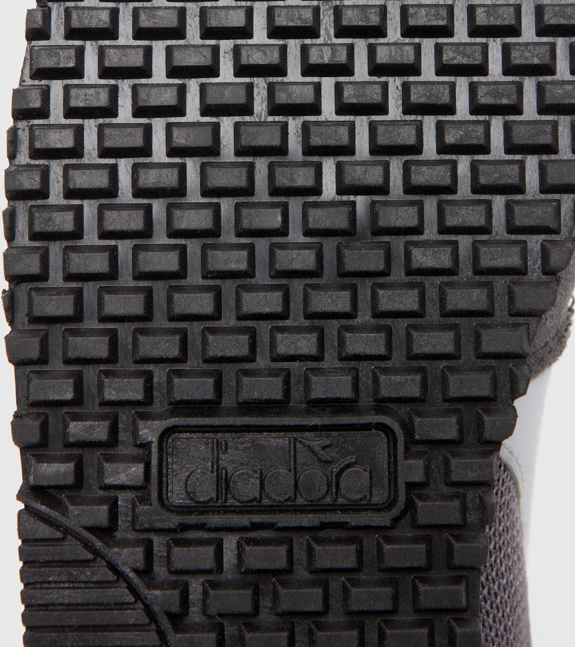 Footwear Sport BAMBINO SIMPLE RUN GS GRIGIO ACCIAIO Diadora