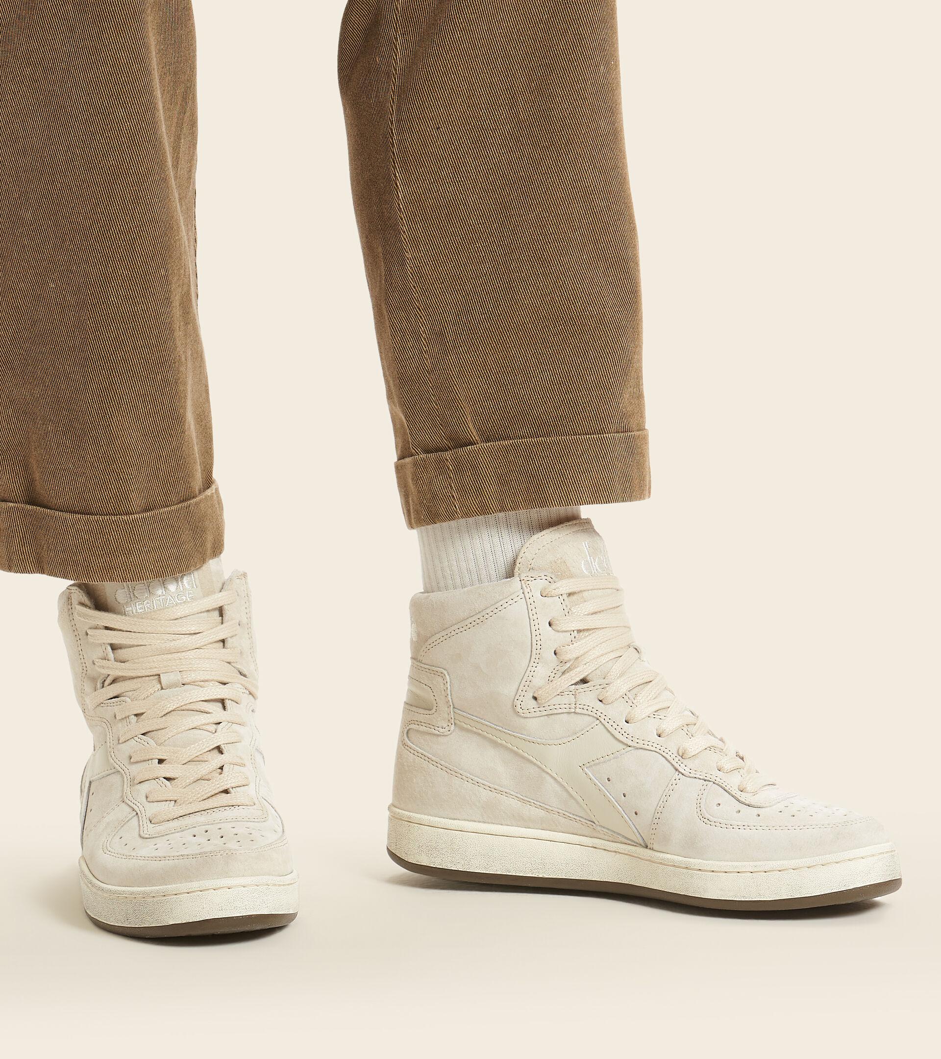 Footwear Heritage UNISEX MI BASKET SUEDE USED BEIGE FOG Diadora
