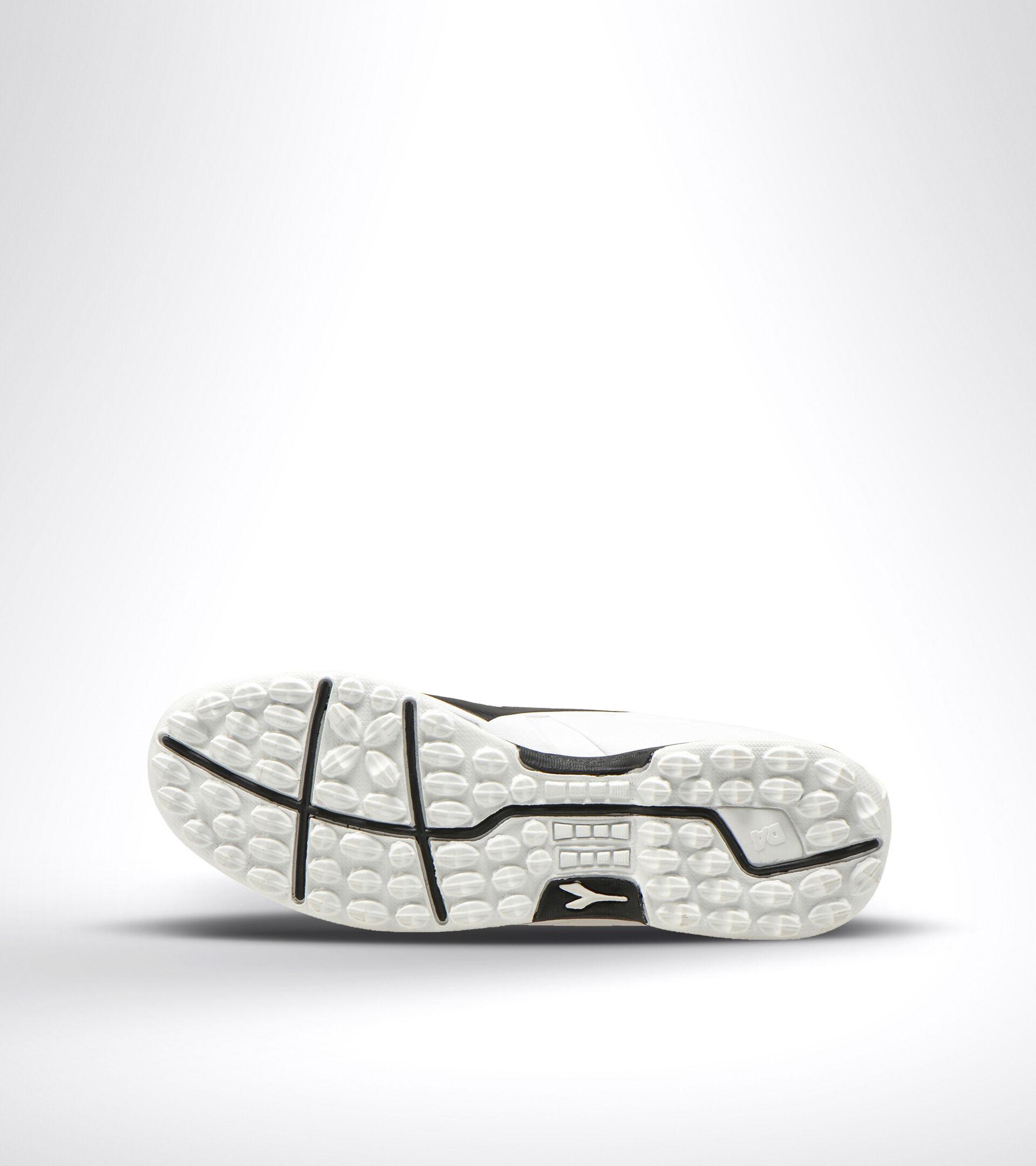 Hard ground and artificial turf football boot PICHICHI 3 TF WHITE/BLACK - Diadora