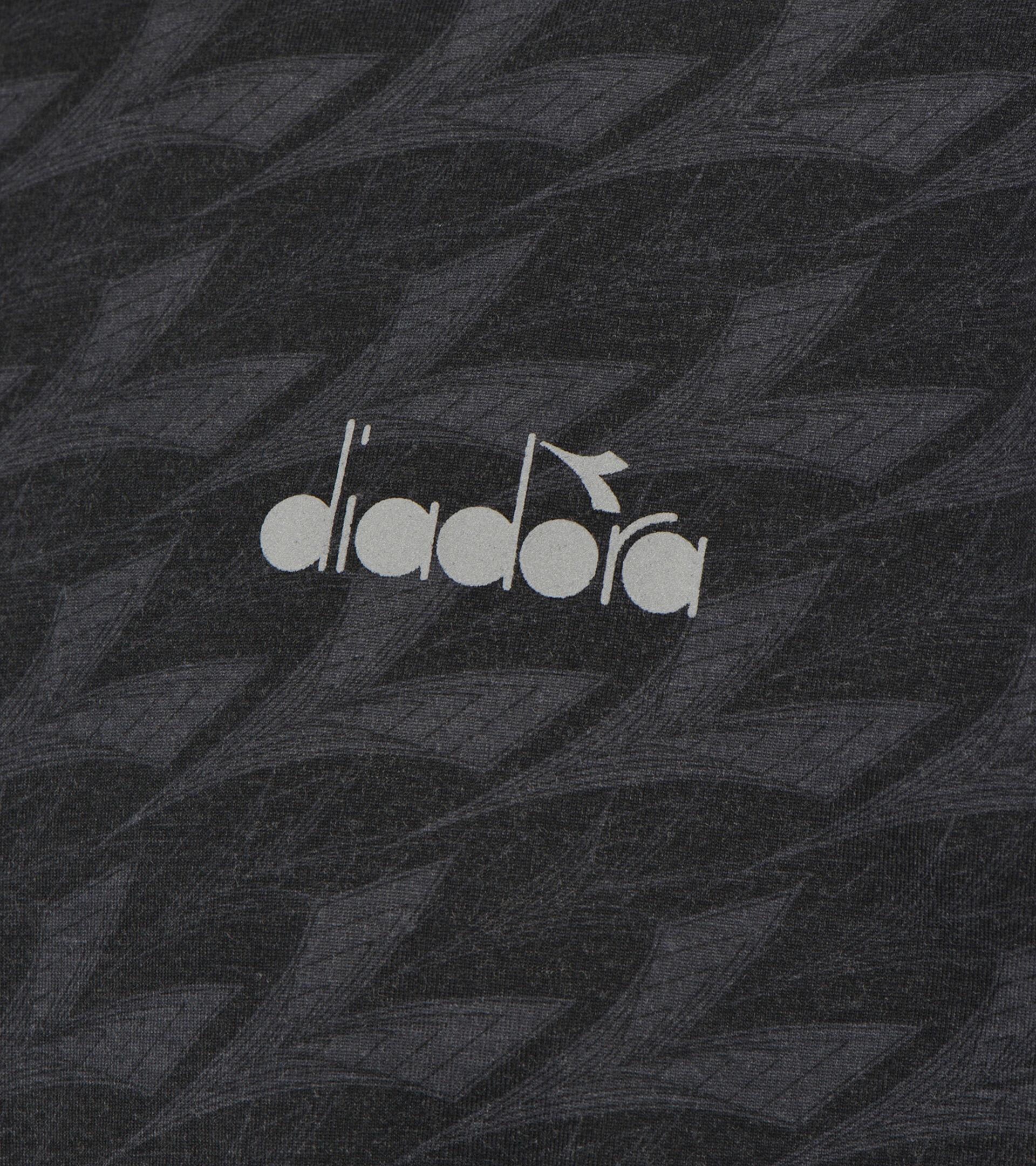 T-shirt sport - Uomo SS T-SHIRT PLUS BE ONE ALL OVER NERO - Diadora