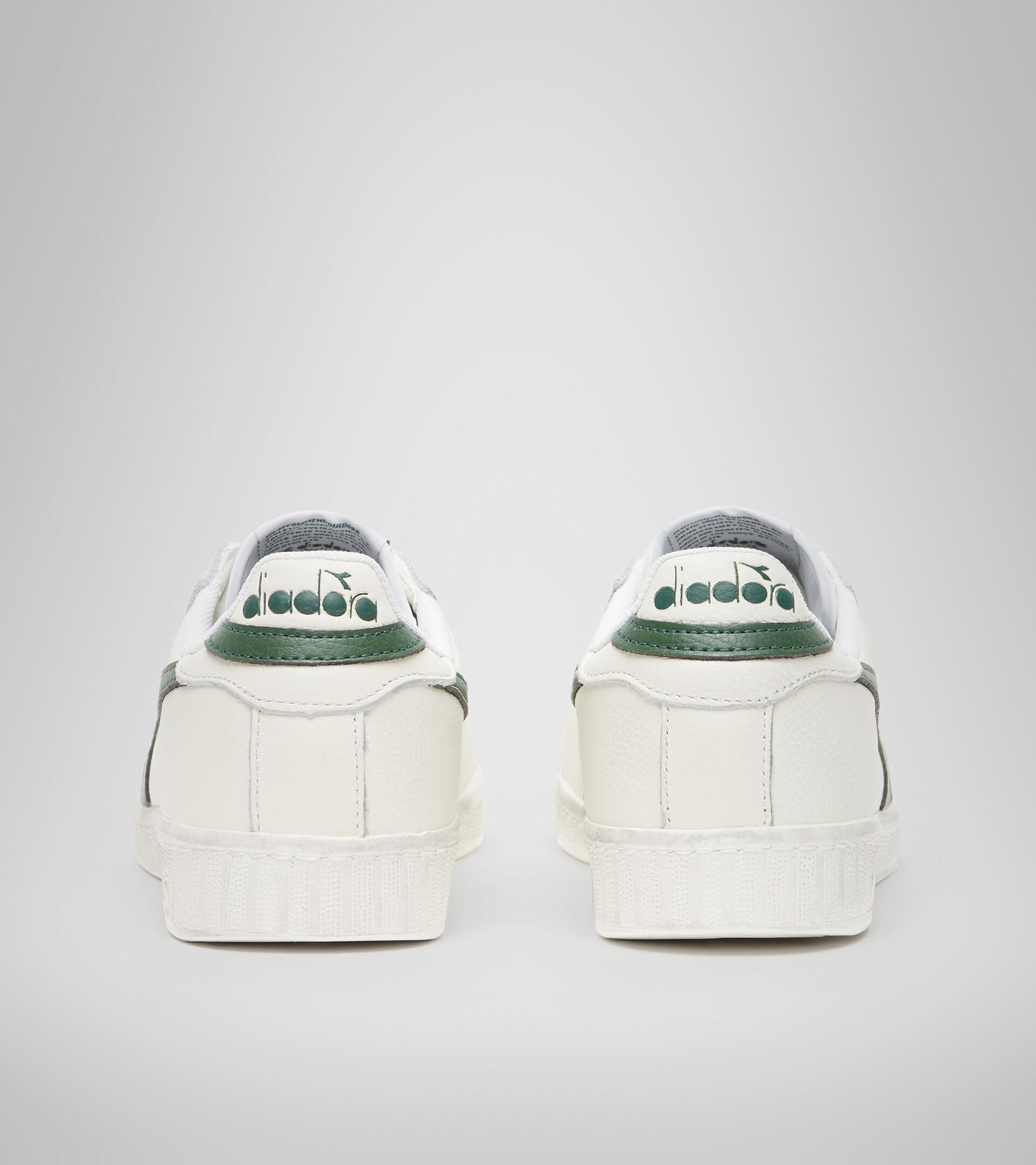 Footwear Sportswear UNISEX GAME L LOW WAXED BIANCO/FOGLIAME Diadora