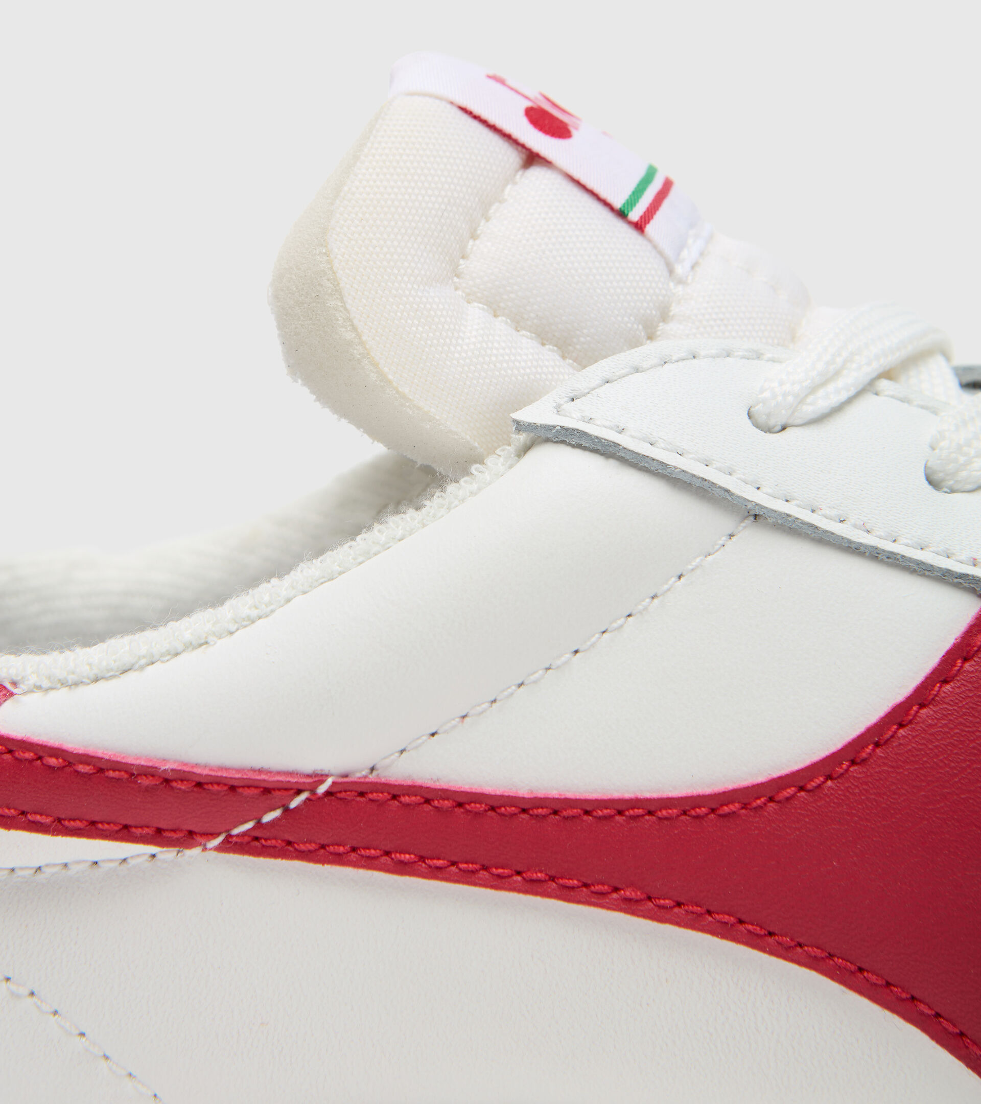 Footwear Sportswear UNISEX MELODY LEATHER DIRTY WHITE/TANGO RED Diadora
