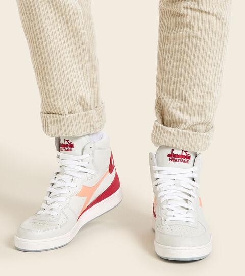 Footwear Heritage UNISEX MI BASKET USED WHITE/PEACH NOUGAT Diadora