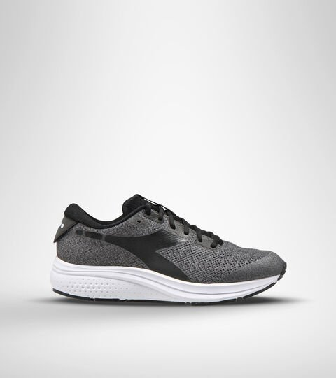 Running shoe - Men KURUKA 5 BLACK/WHITE (C7406) - Diadora