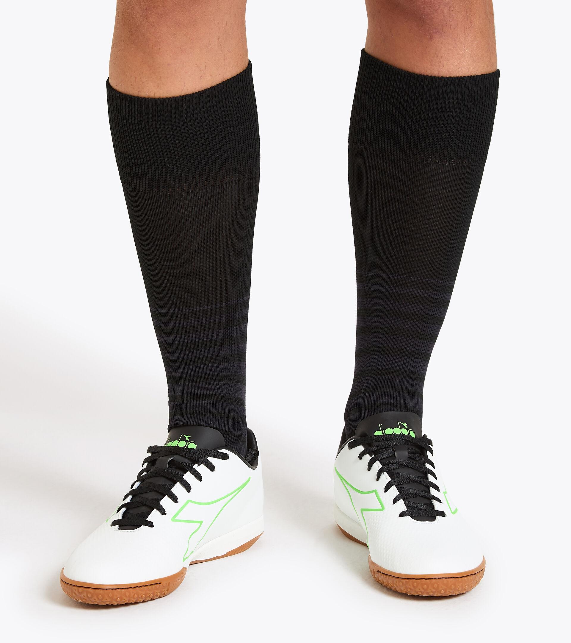 Indoor and parquet court futsal boots PICHICHI 4 IDR WHITE/GREEN FLUO/BLACK - Diadora