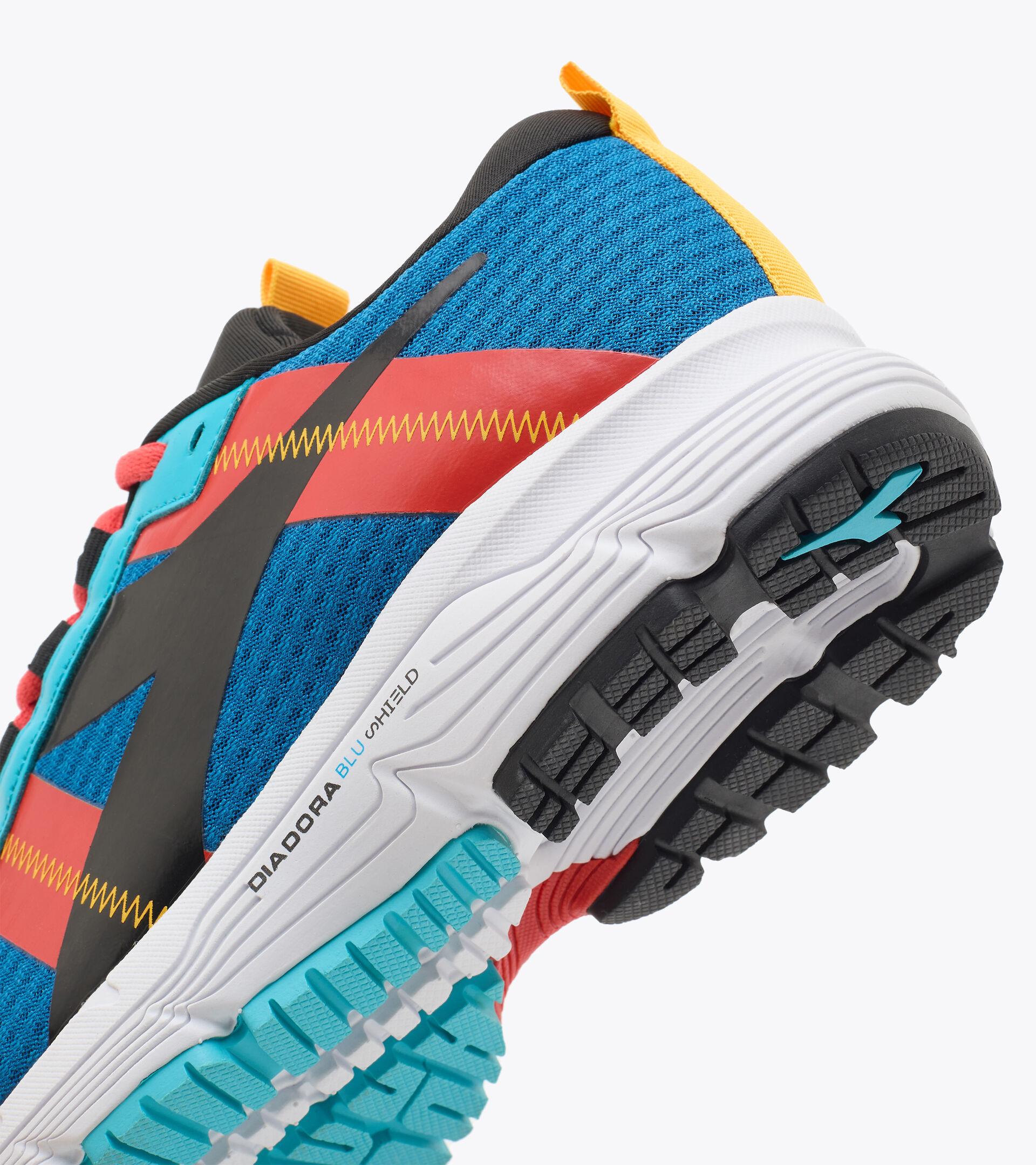 Footwear Sport BAMBINO MYTHOS BLUSHIELD ELITE 4 Y MYKONOS BLUE/BLACK/FIESTA Diadora