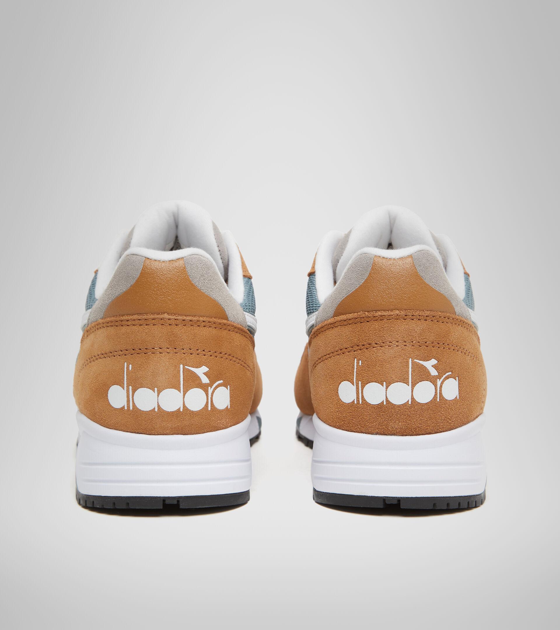 Footwear Sportswear UNISEX N902 S BEIGE CIERVA/POLICIA Diadora
