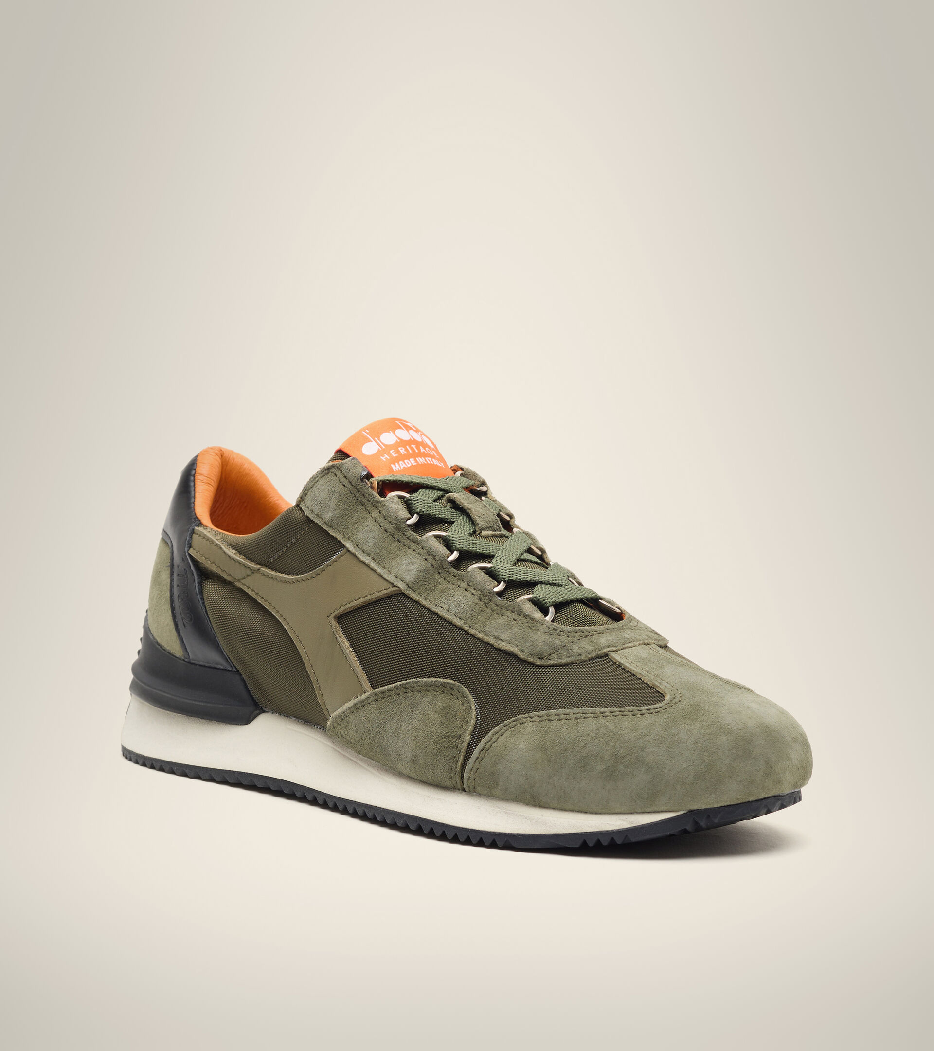 Heritage shoe - Unisex EQUIPE MAD ITALIA NUBUCK SW GREEN OLIVINE - Diadora