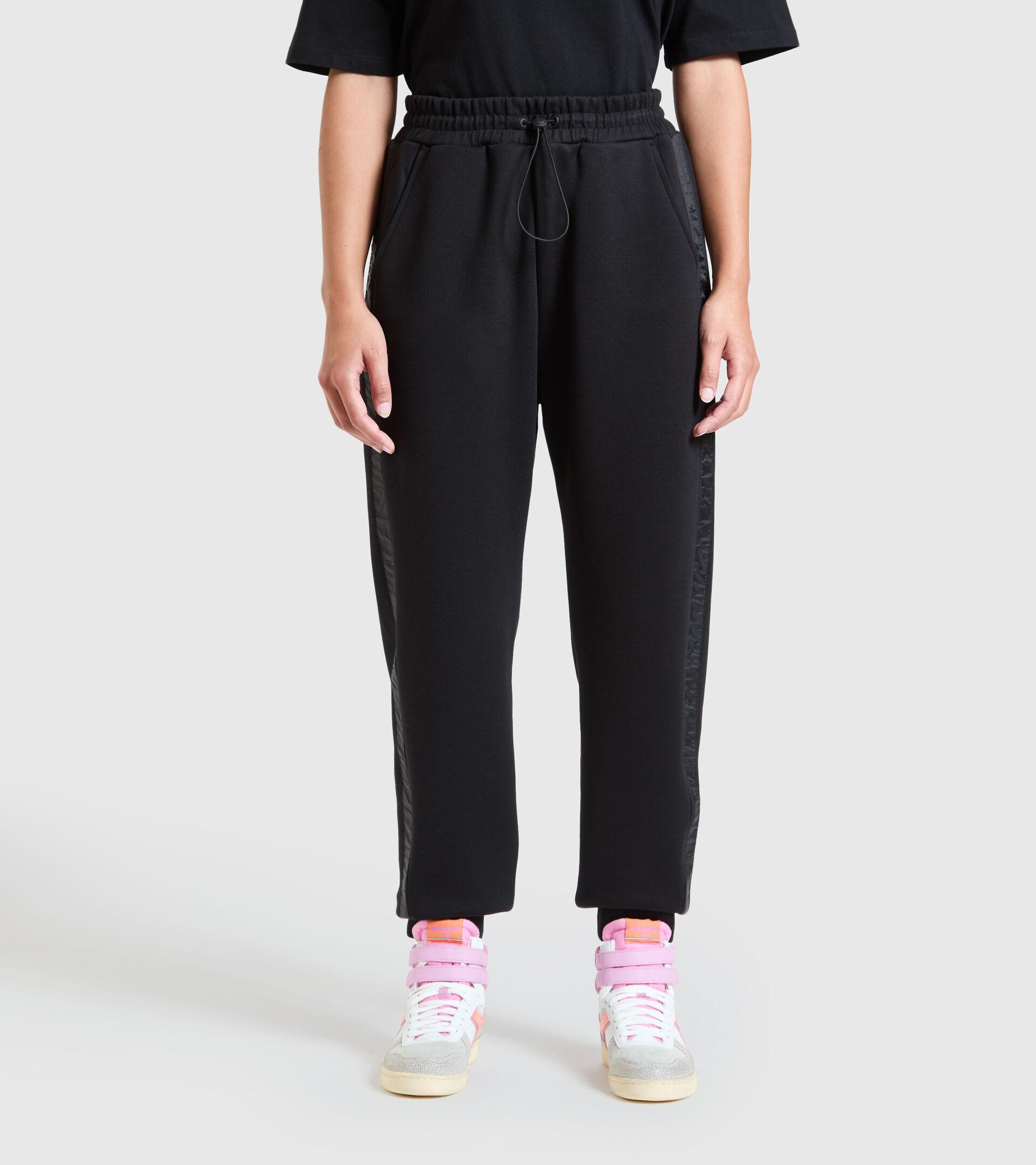 Pantalones deportivos - Mujer  L. PANT URBANITY NEGRO - Diadora