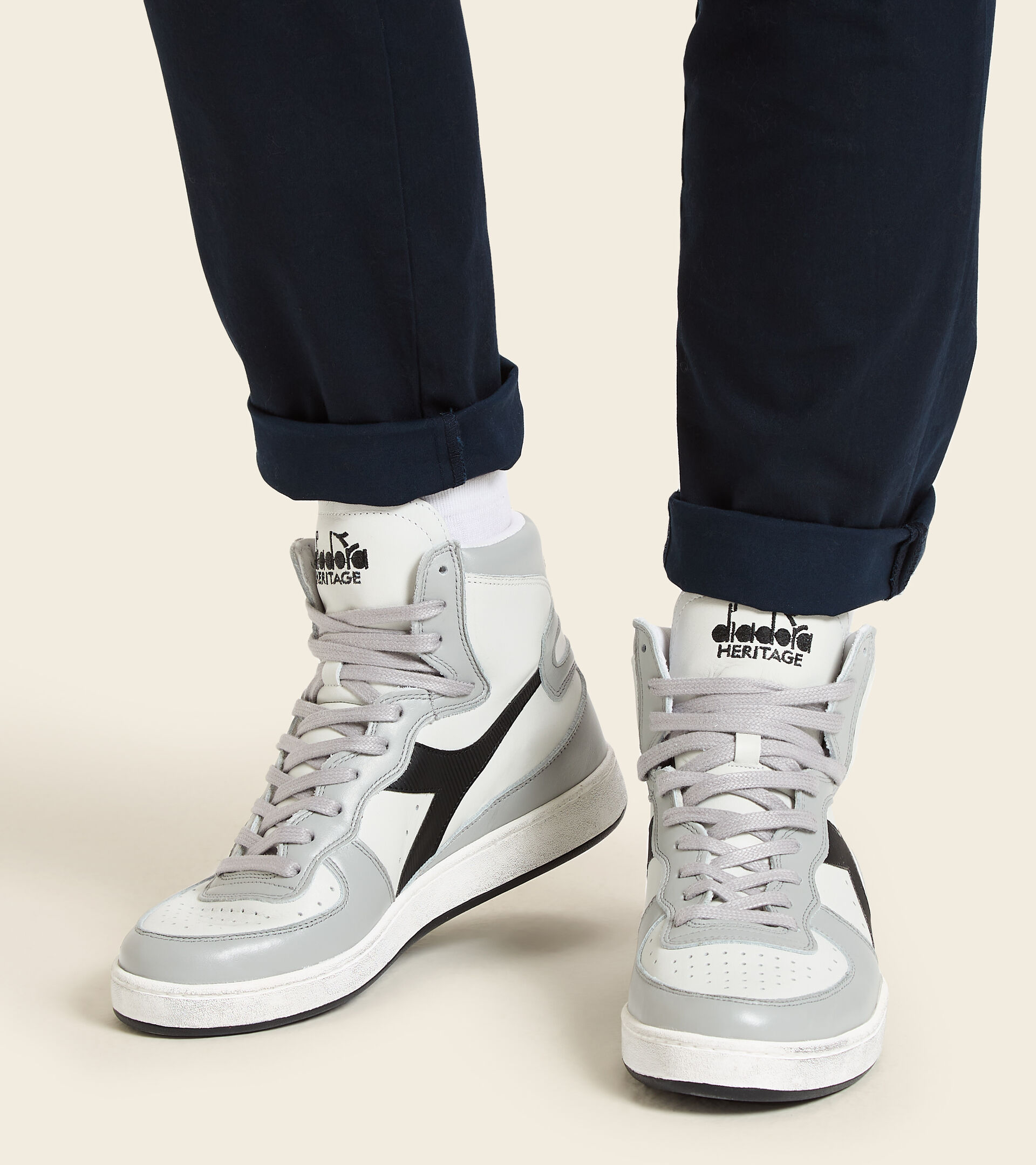 Footwear Heritage UNISEX MI BASKET USED BLCO/EDIFICIOS ALTOS/NEGRO Diadora