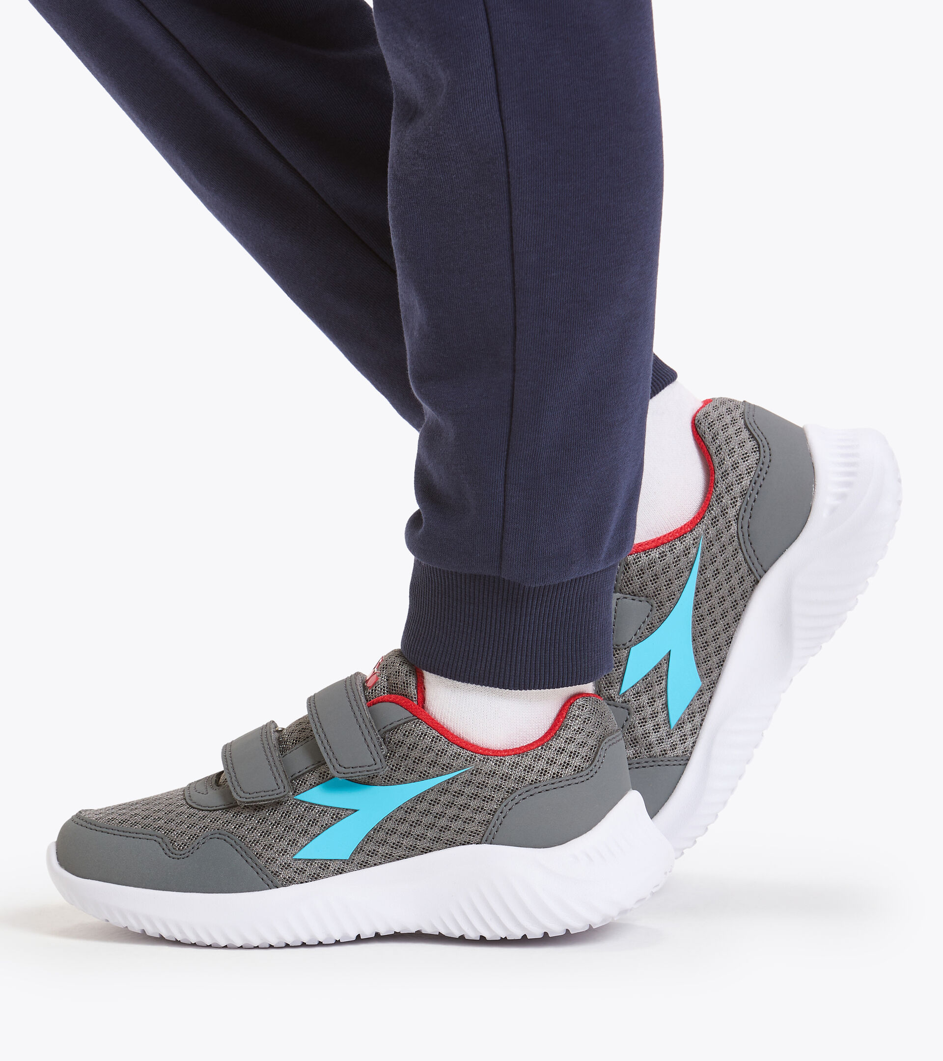 Footwear Sport BAMBINO ROBIN 2 JR V GRIGIO ACCIAIO/AZZURRO ATOLLO Diadora