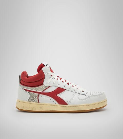 Footwear Sportswear UNISEX MAGIC BASKET DEMI CUT ICONA BIANCO/PEPERONCINO ROSSO Diadora