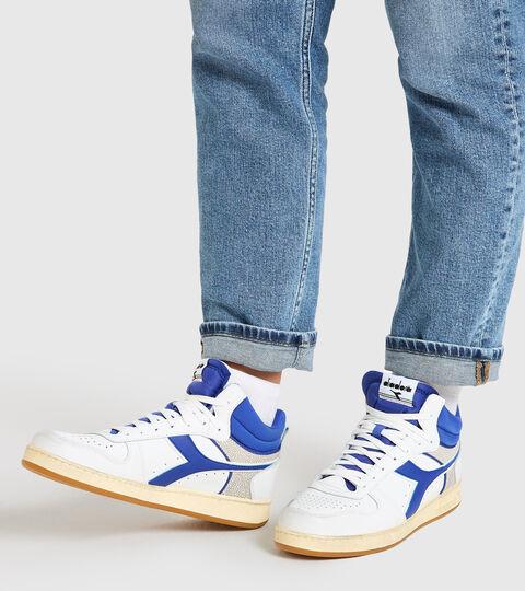 Chaussures de sport - Unisexe MAGIC BASKET DEMI CUT ICONA BLANC/CLASSIQUE BLEU - Diadora