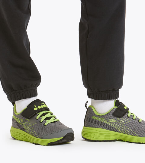 Chaussures de running - Unisexe enfant FLAMINGO 6 JR GRIGIO ACCIAIO/VERDE ACIDO - Diadora