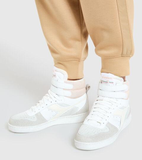 Chaussures de sport - Femme MAGIC BASKET MID ICONA WN BLANCHE MURMURE - Diadora