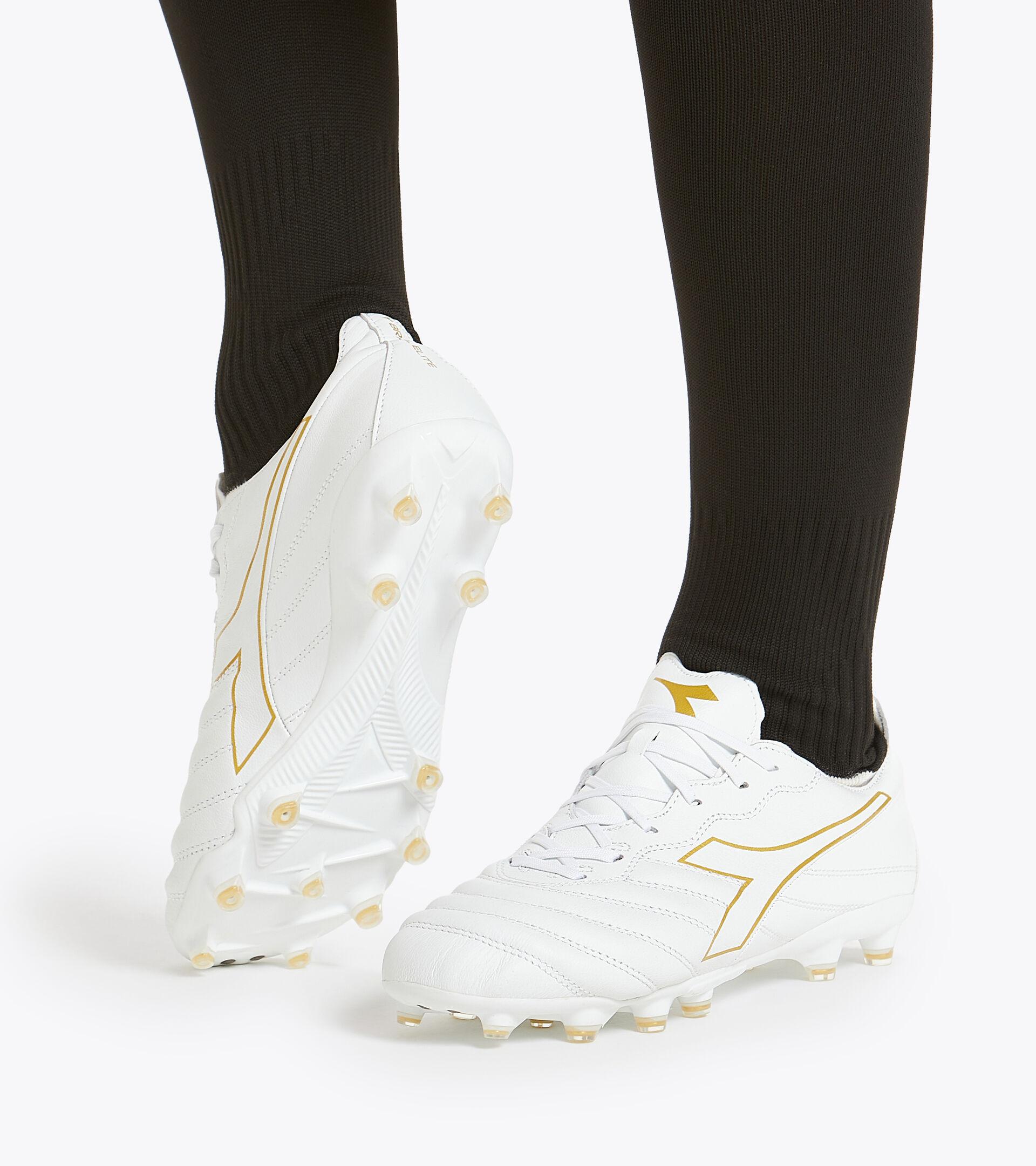 Chaussures de football pour terrains compacts BRASIL ELITE LT LP12 BLANC/OR BRUN - Diadora