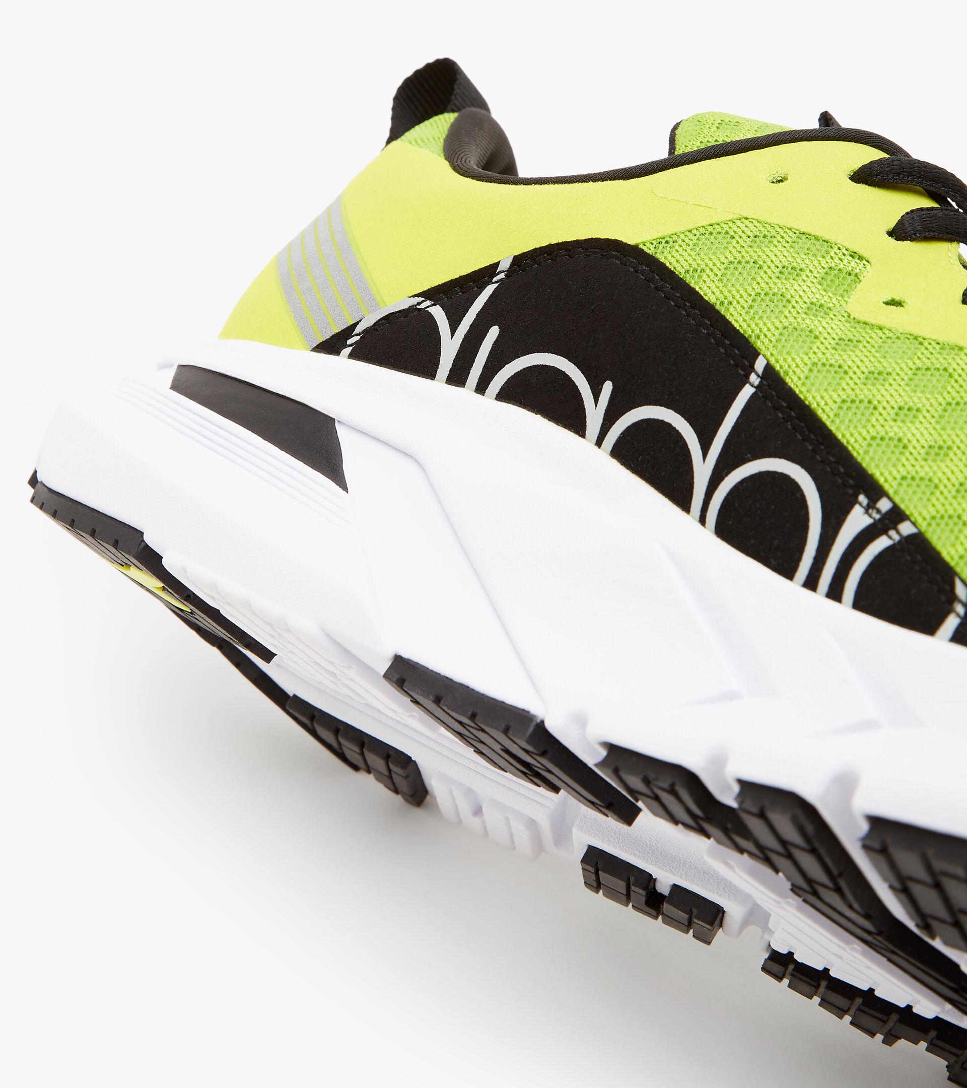 Running shoe - Men's MYTHOS BLUSHIELD VOLO LIME GRN/SULPHUR SPRING/BLACK - Diadora