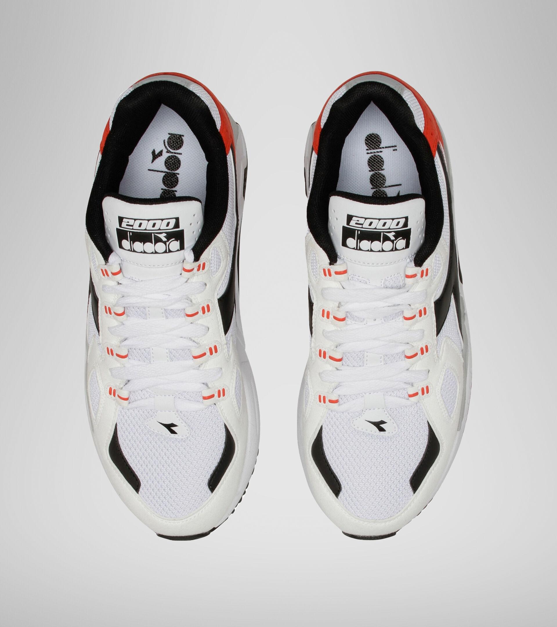 Footwear Sportswear UOMO MYTHOS SUEDE BIANCO/NERO/ROSSO FIESTA Diadora