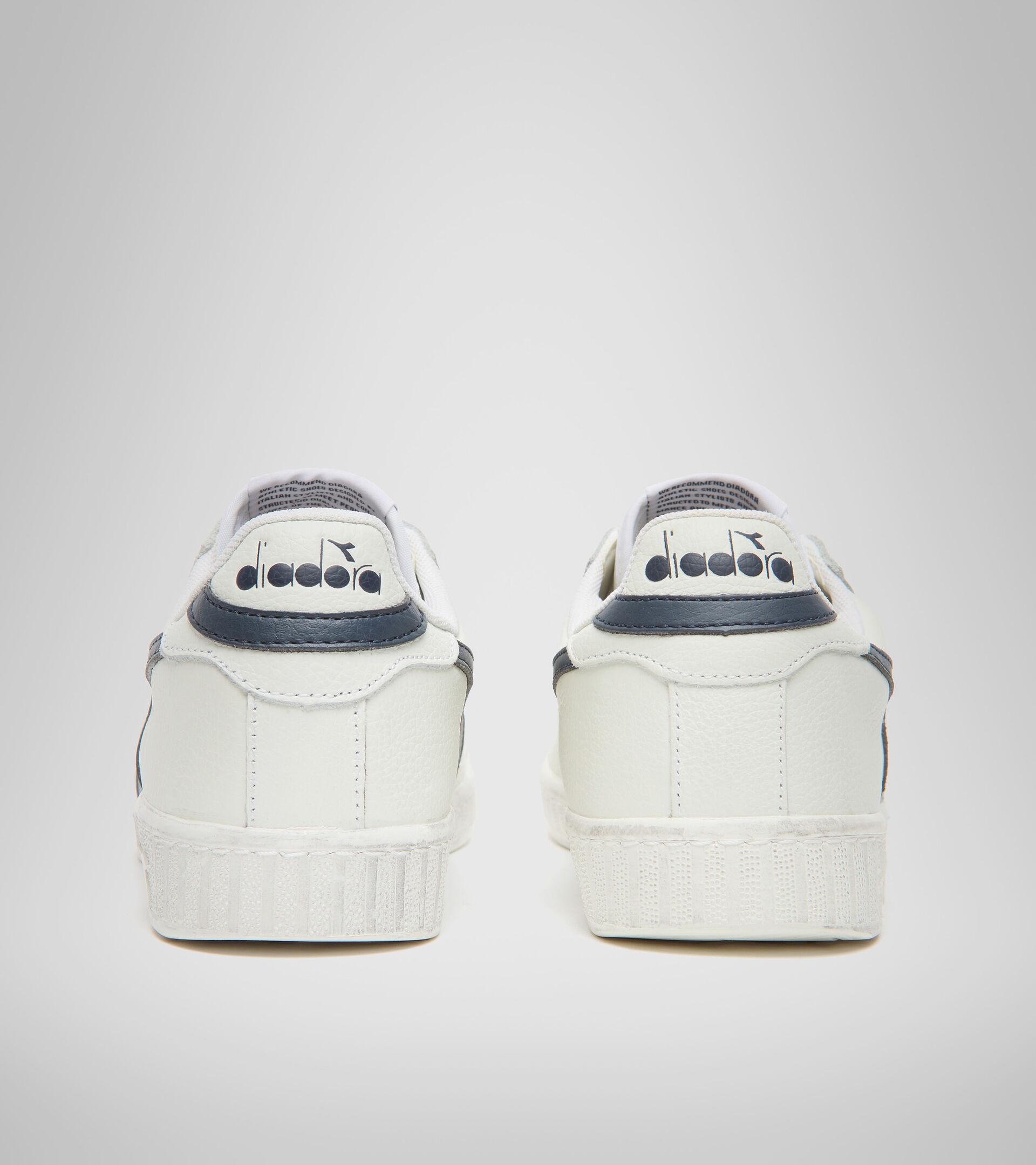 Footwear Sportswear UNISEX GAME L LOW WAXED WHITE/BLUE CASPIAN SEA Diadora