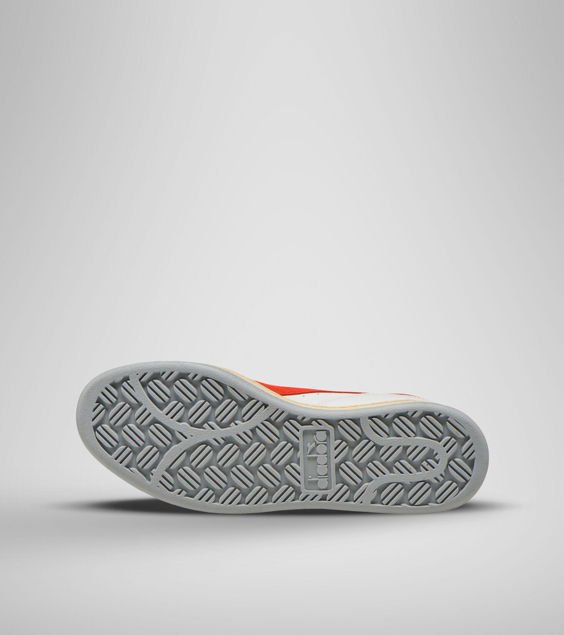 Zapatillas deportivas - Unisex MI BASKET LOW ICONA BLANCO/ROJO INTENSO - Diadora