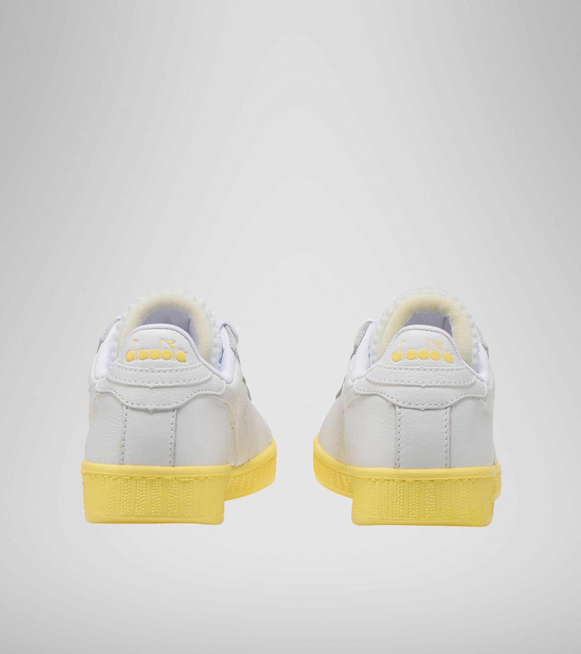 Footwear Sportswear DONNA GAME L LOW SOLE BLOCK WN BLANCO/AMARILLO PALOMITAS Diadora