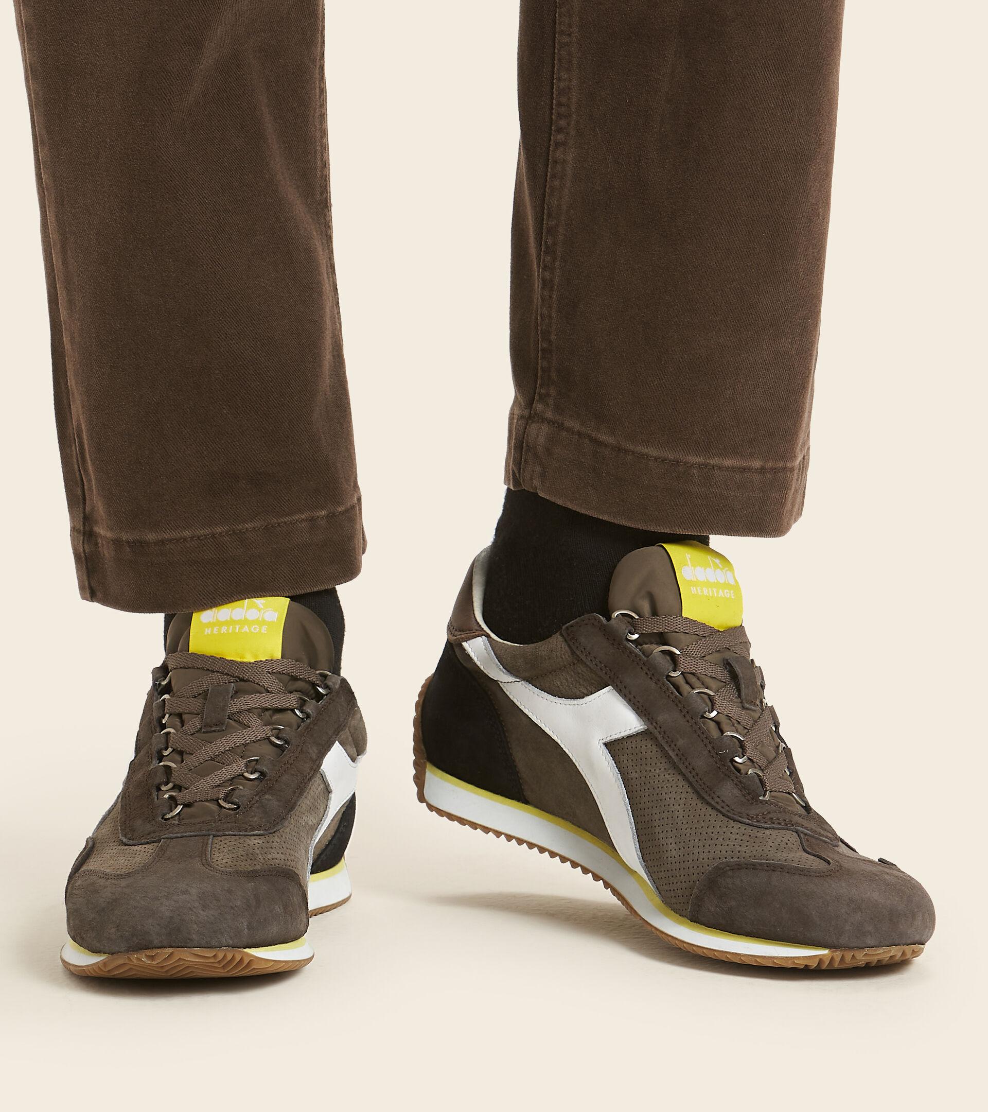 Heritage shoe - Unisex EQUIPE SUEDE SW BROWN CHOCOLATE CHIP - Diadora
