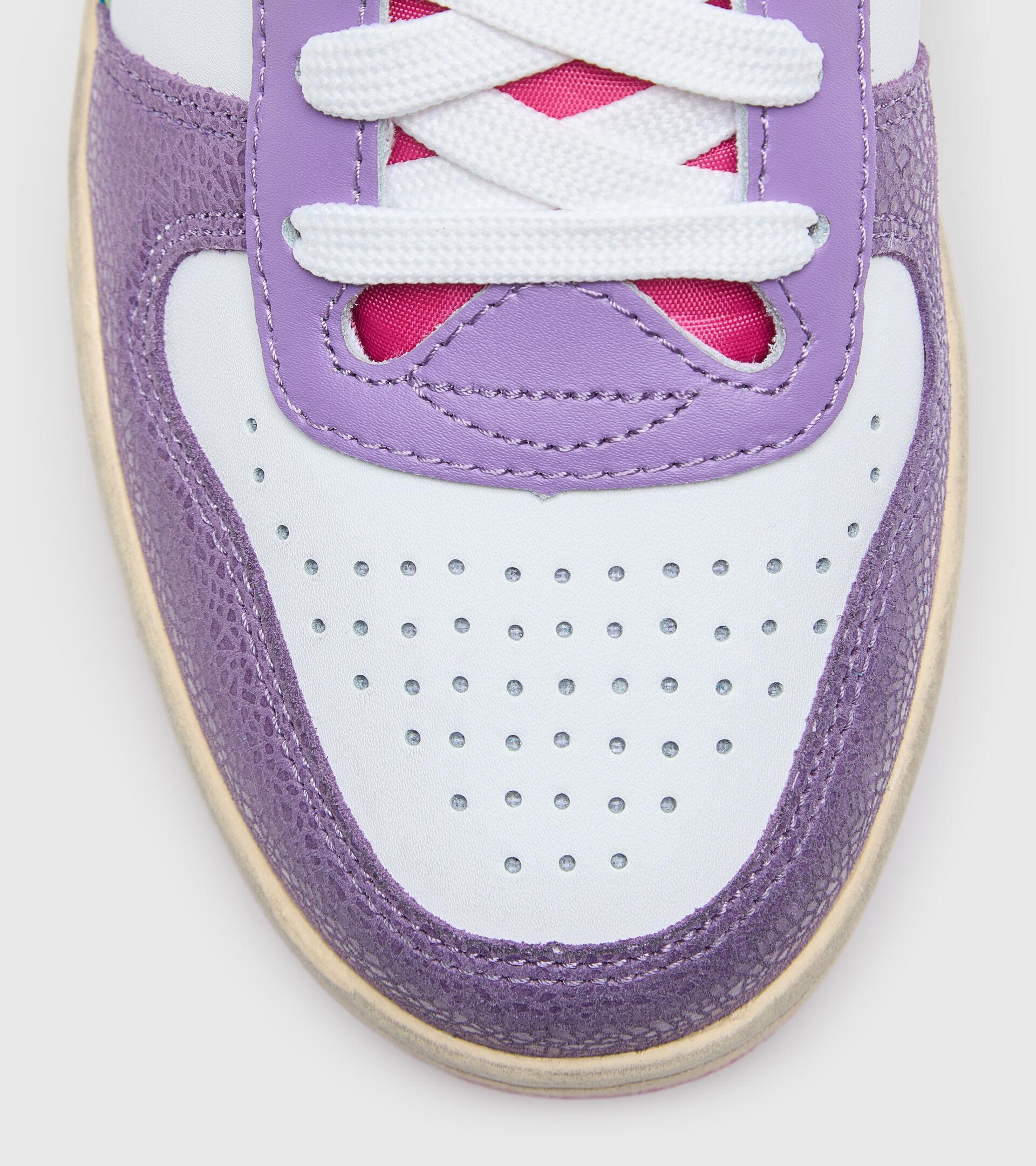 Sports shoe - Women MAGIC BASKET LOW ICONA WN ENGLISH LAVENDER/WHITE - Diadora