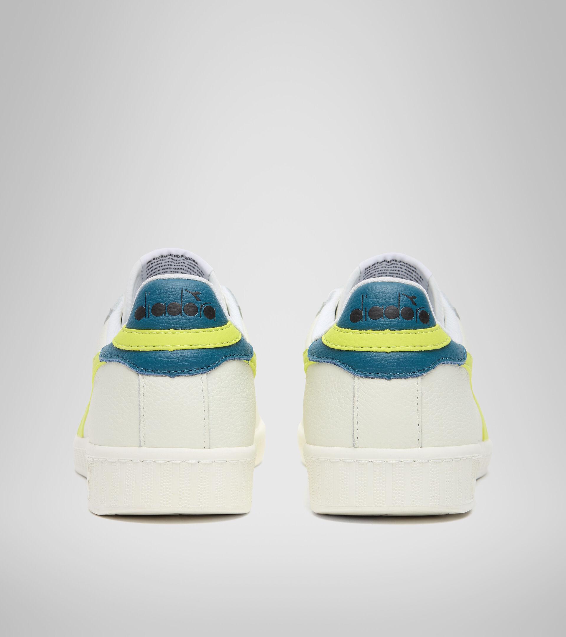 Footwear Sportswear UNISEX GAME L LOW BIANCO/VERDE SORGENTE/BLU PETR Diadora