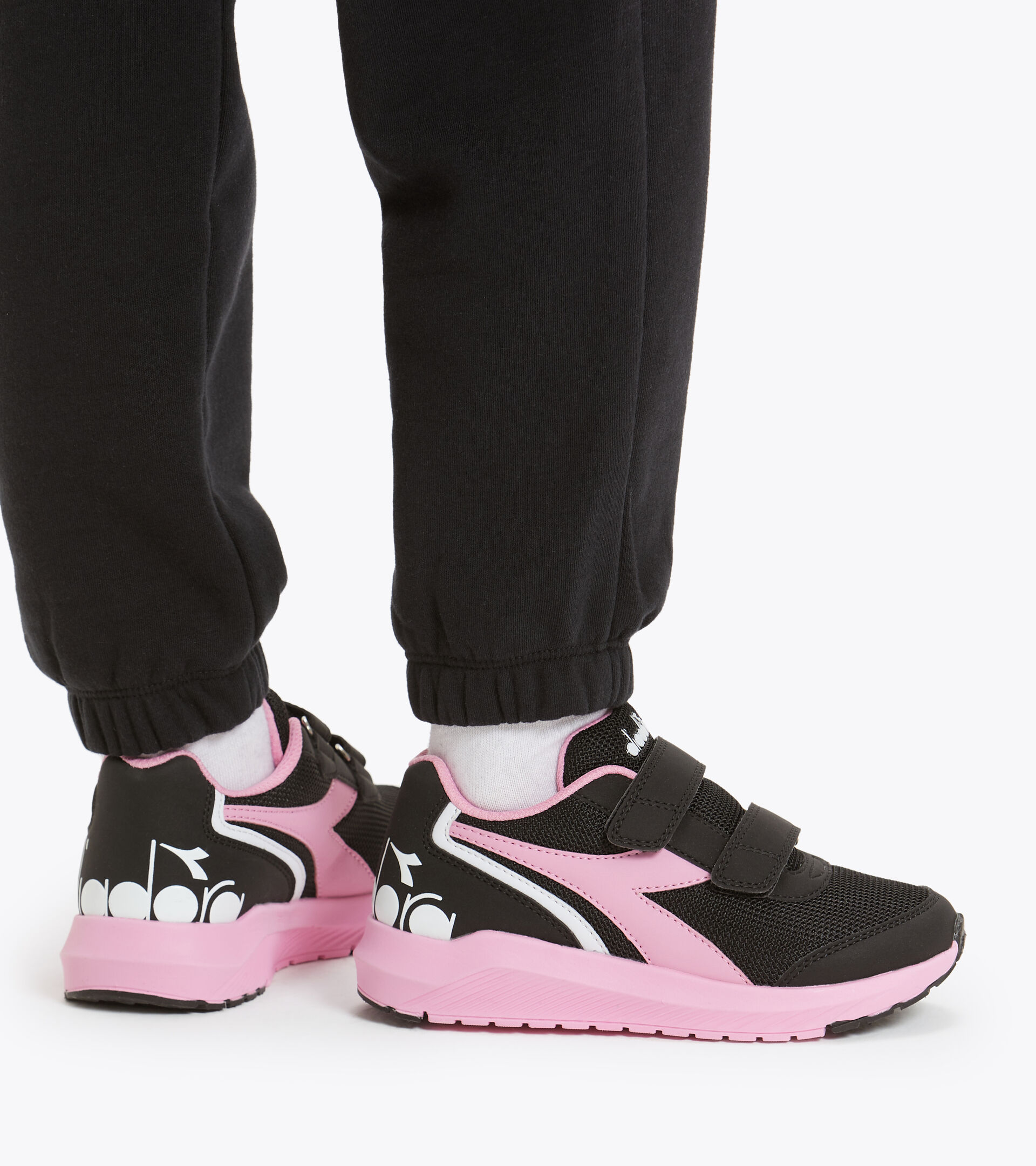 Zapatilla de running - Unisex niños FALCON JR V NEGRO/ROSA BEGONIA - Diadora