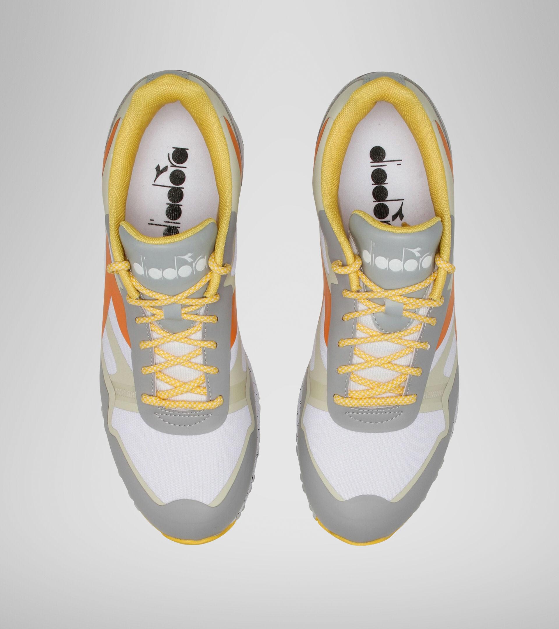 Footwear Sportswear UOMO N902 OUTDOOR SLEET/OYSTER WHITE/RUSSET ORAN Diadora