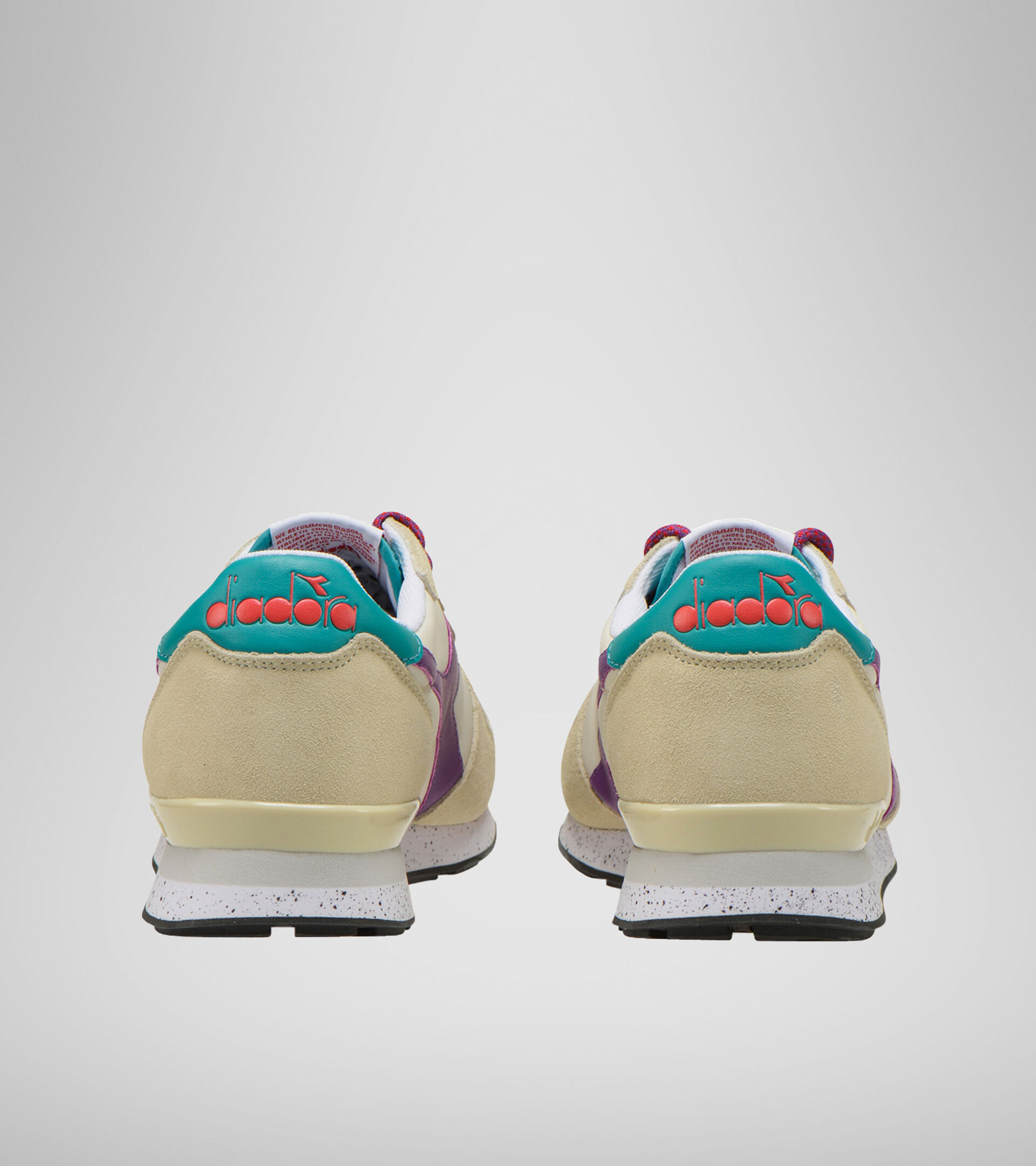 Footwear Sportswear UNISEX CAMARO OUTDOOR BLANCA OSTRA Diadora
