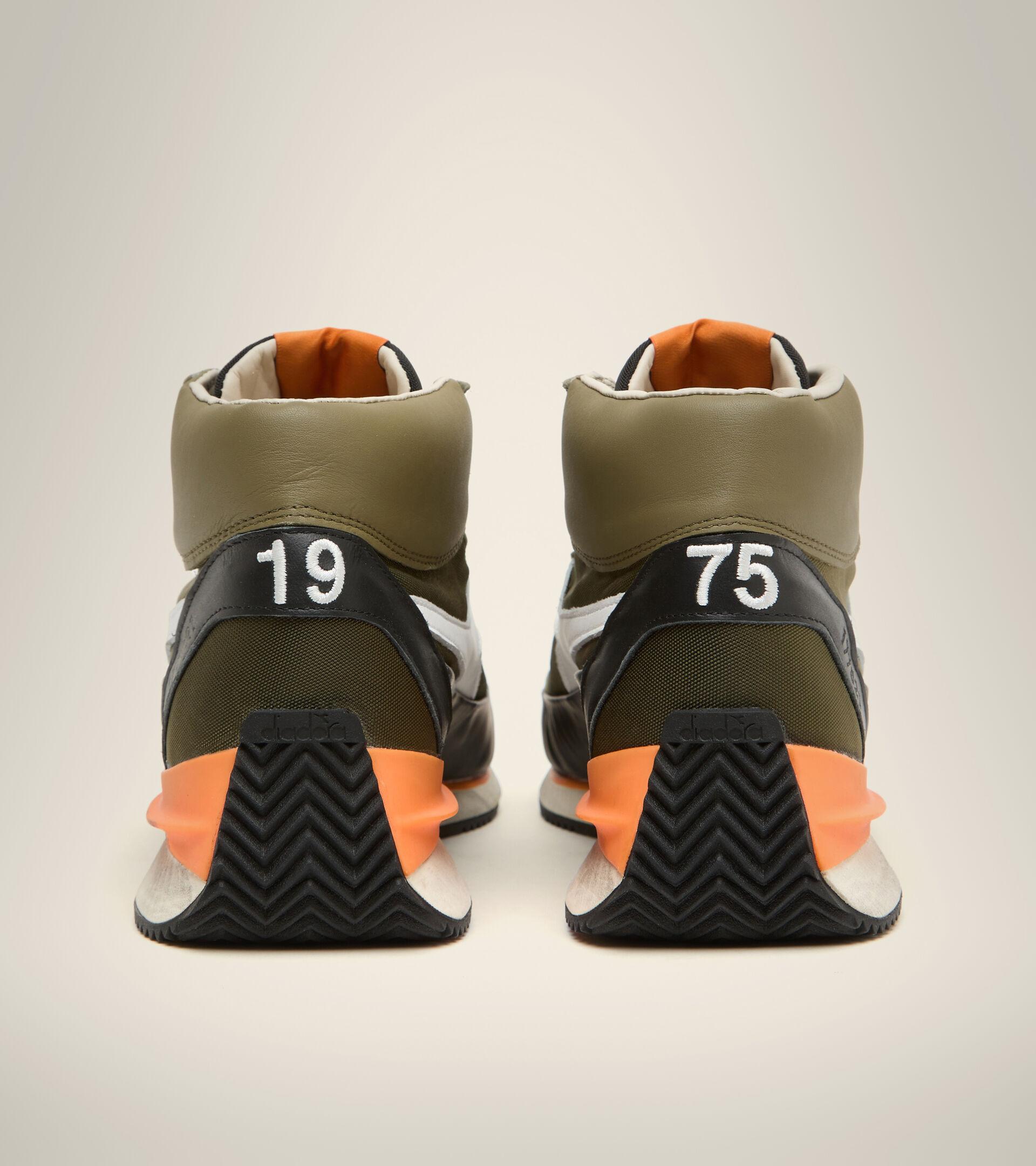 Footwear Heritage UNISEX EQUIPE MID MAD ITALIA NUBUCK SW GREEN OLIVINE Diadora