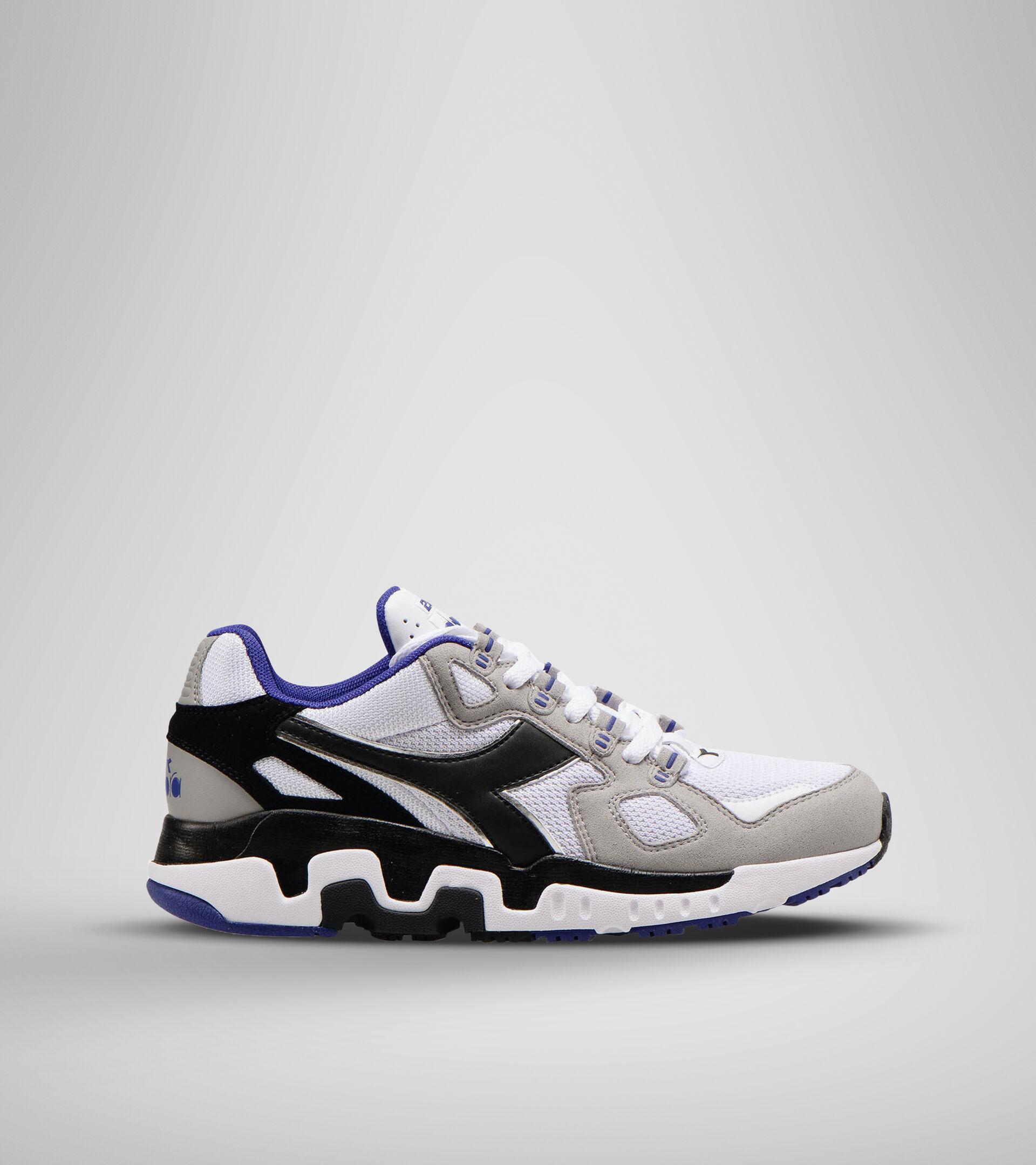 Sports shoe - Men MYTHOS SUEDE WHITE/BLACK/ASH - Diadora