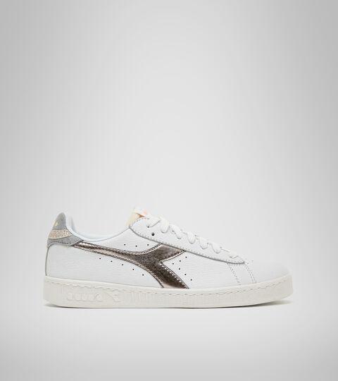 Sports shoe - Women GAME L LOW ICONA GLOSSY WN WHITE/SILVER .. - Diadora