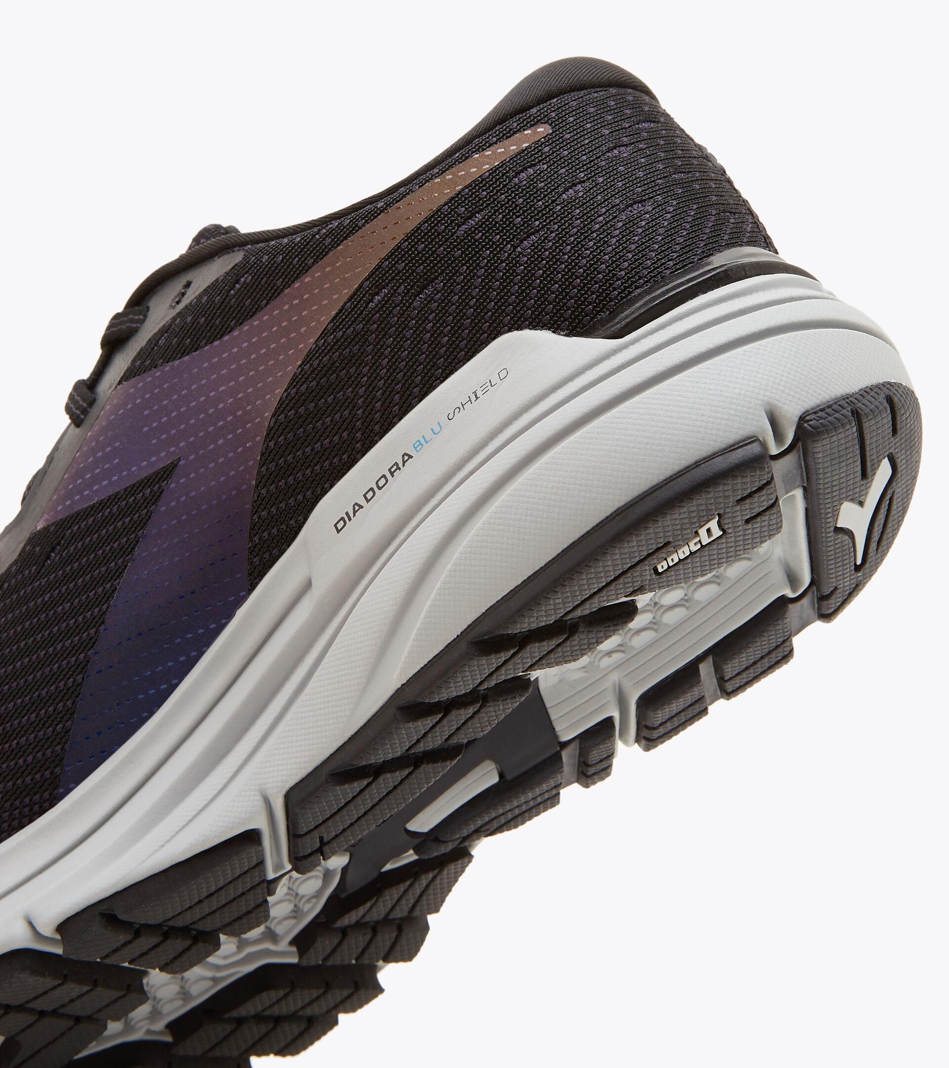 Chaussures de running - Femme MYTHOS BLUSHIELD HIP 6 W NOIR/ARGENT - Diadora