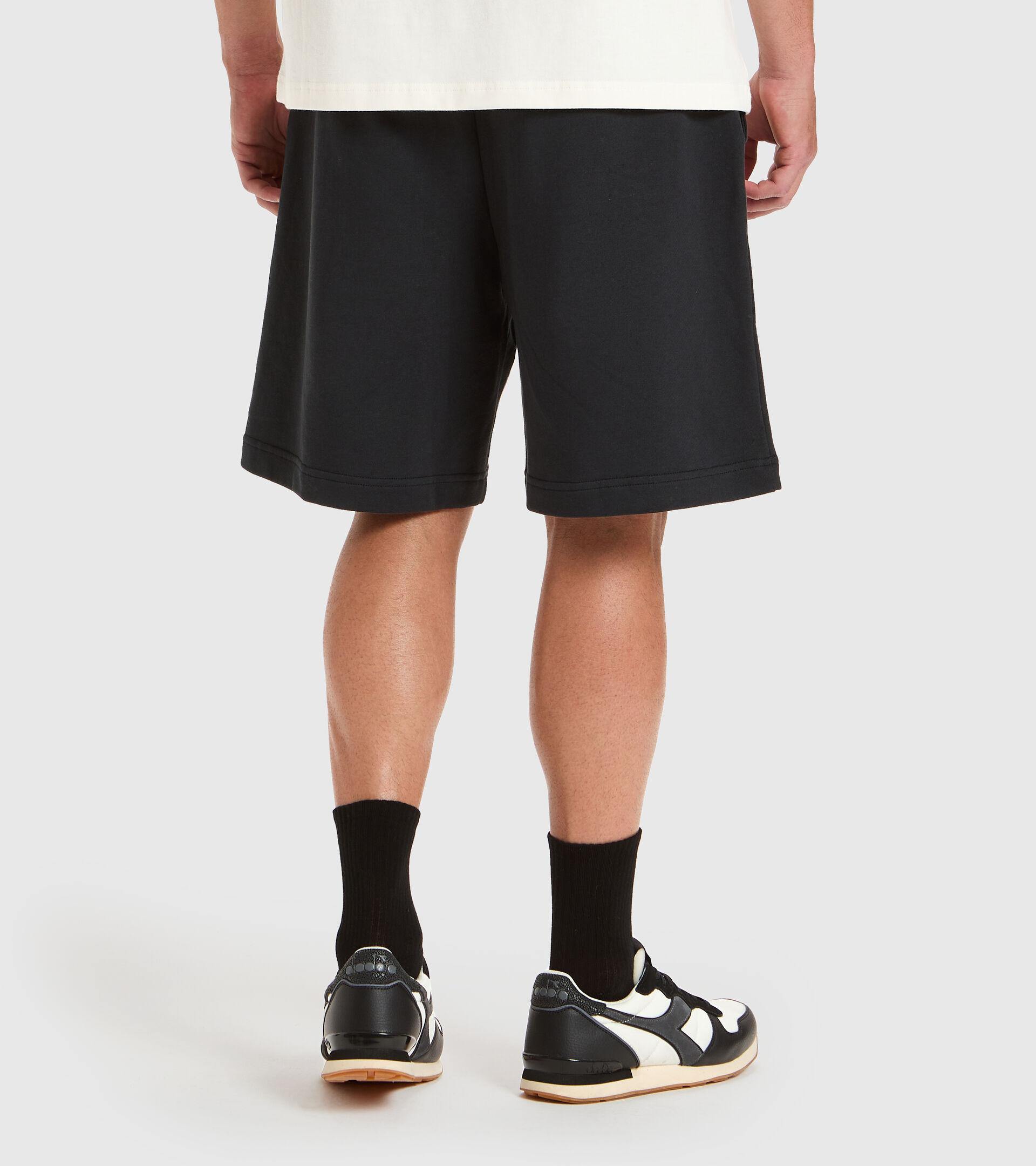 Apparel Sportswear UOMO BERMUDA ICON NEGRO Diadora