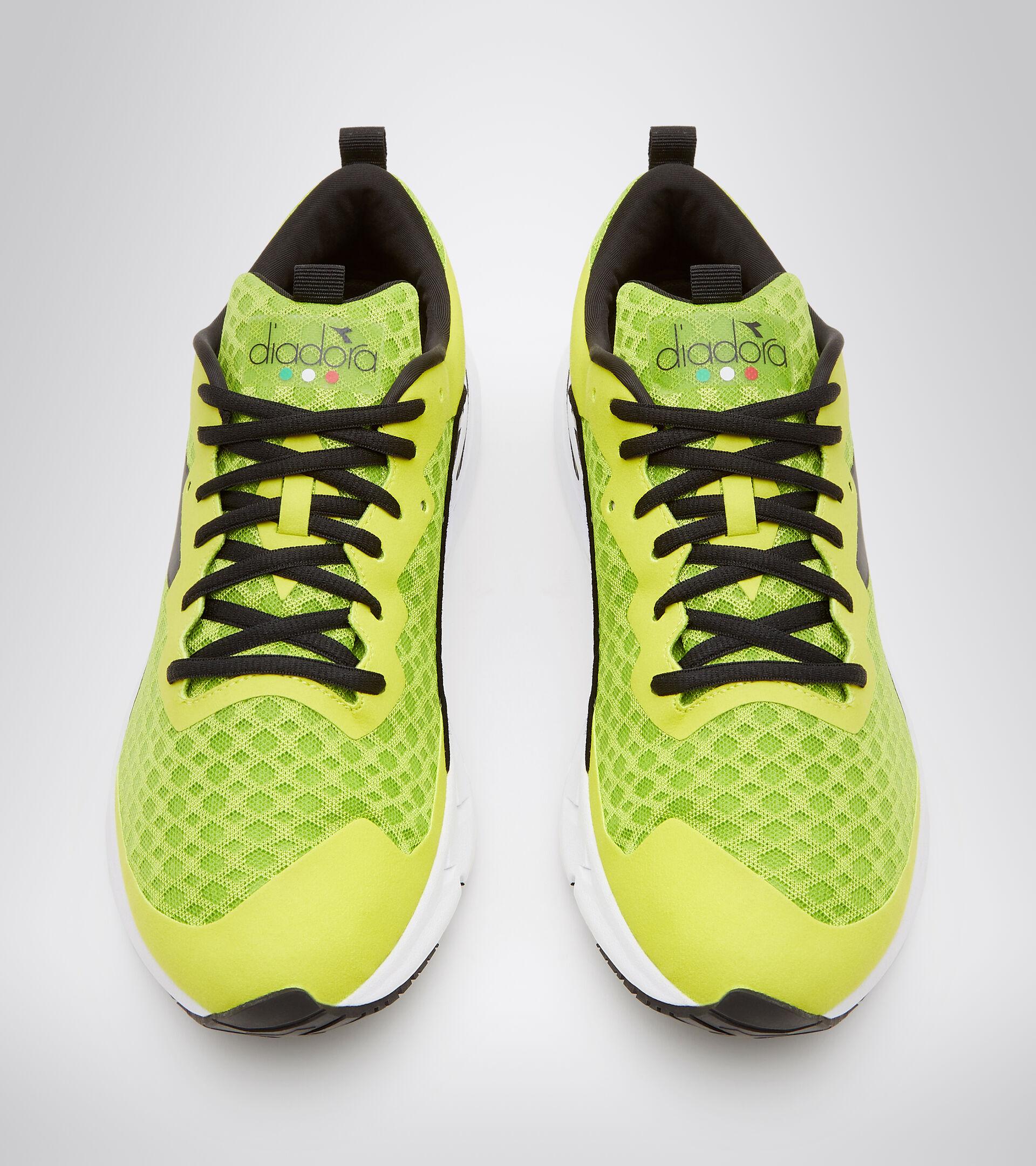 Footwear Sport UOMO MYTHOS BLUSHIELD VOLO LIME GRN/SULPHUR SPRING/BLACK Diadora