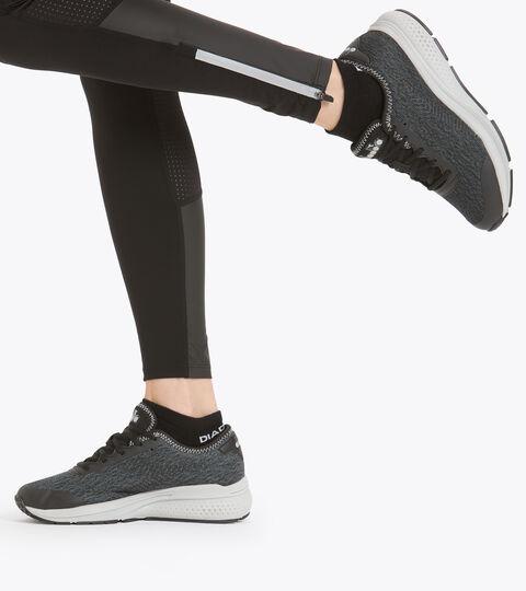 Sports shoe - Women PASSO W BLACK/STEEL GRAY - Diadora