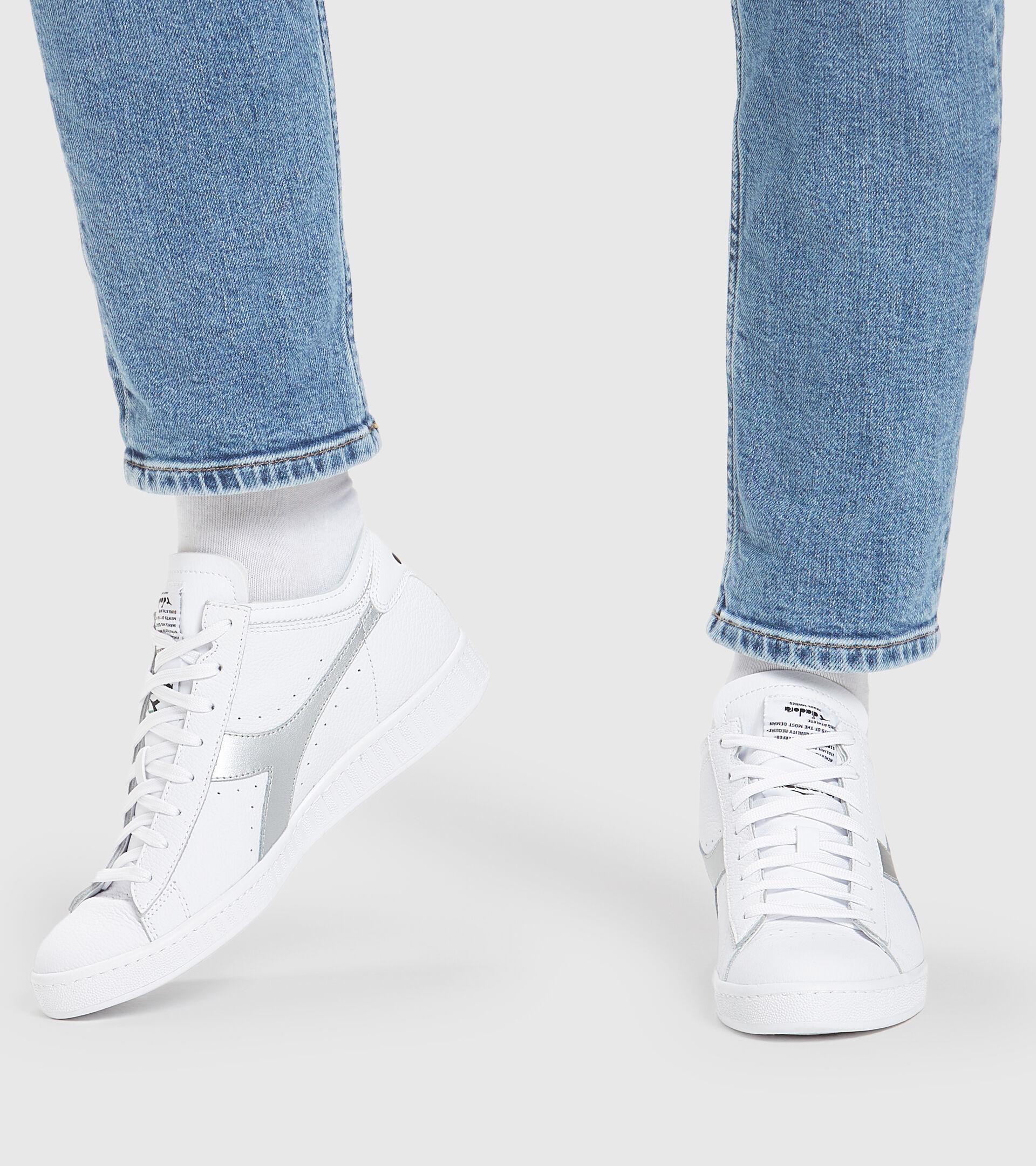 Sports shoe - Unisex GAME ROW CUT METAL WHITE/SILVER .. - Diadora