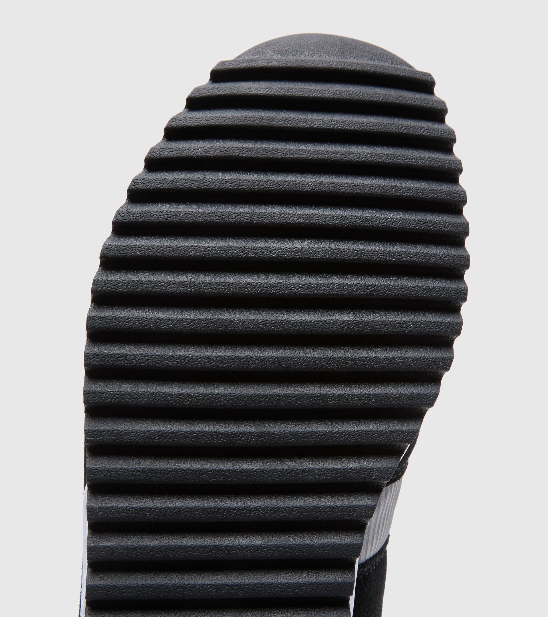 Sportschuh - Unisex N902 OFF ROAD NERO/GRIGIO PELTRO (C3556) - Diadora