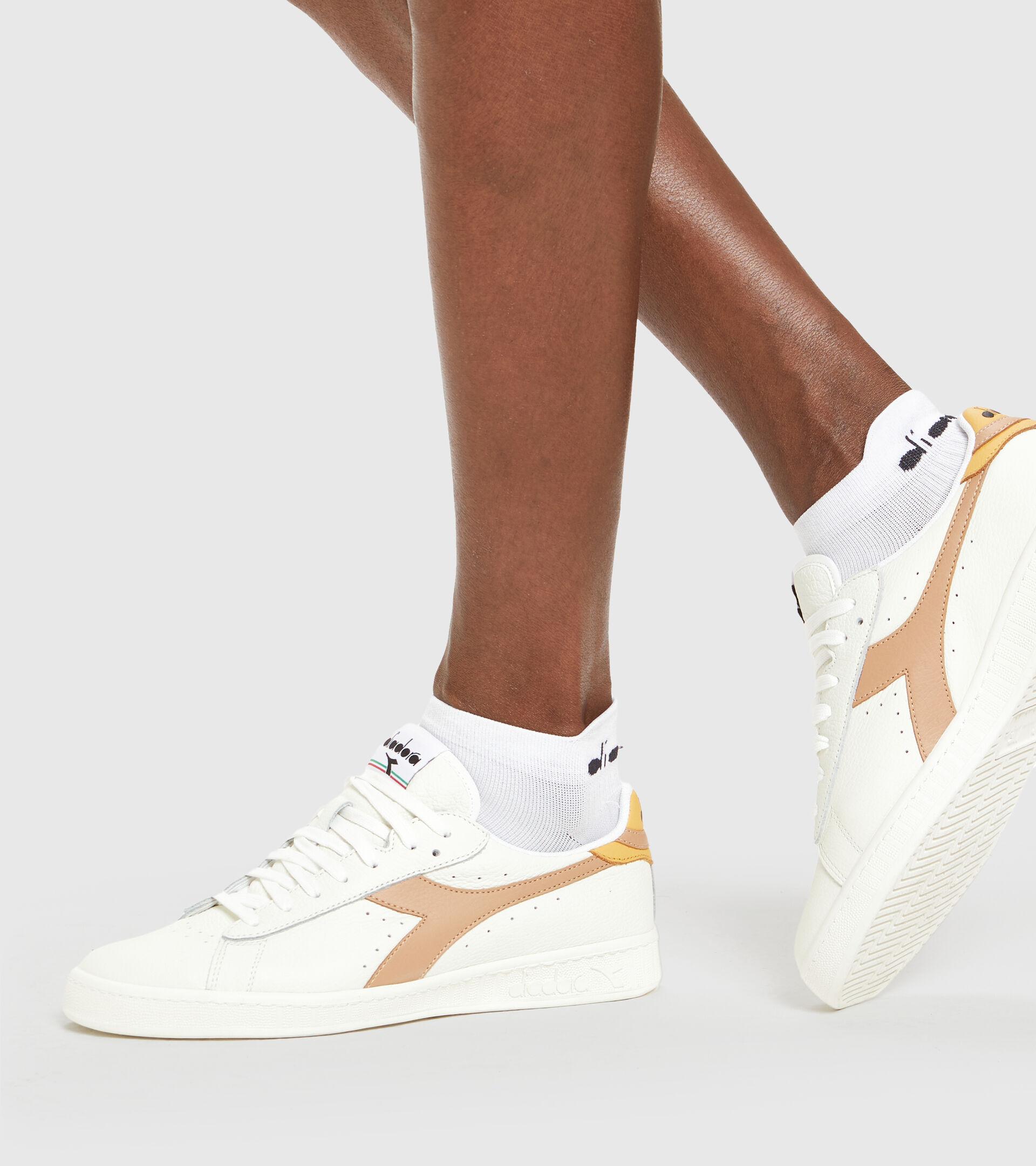 Footwear Sportswear UNISEX GAME L LOW WHITE/BEIGE DOE Diadora