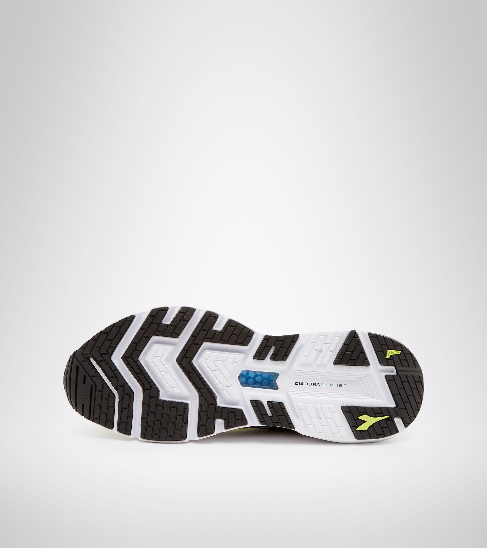 Footwear Sport UOMO MYTHOS BLUSHIELD VOLO VRDE LIMA/MANANTIALES DE SULFU Diadora